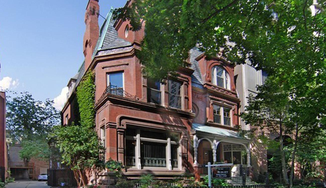 Webster Tv Home To List For 9 5 Million Chicago Tribune