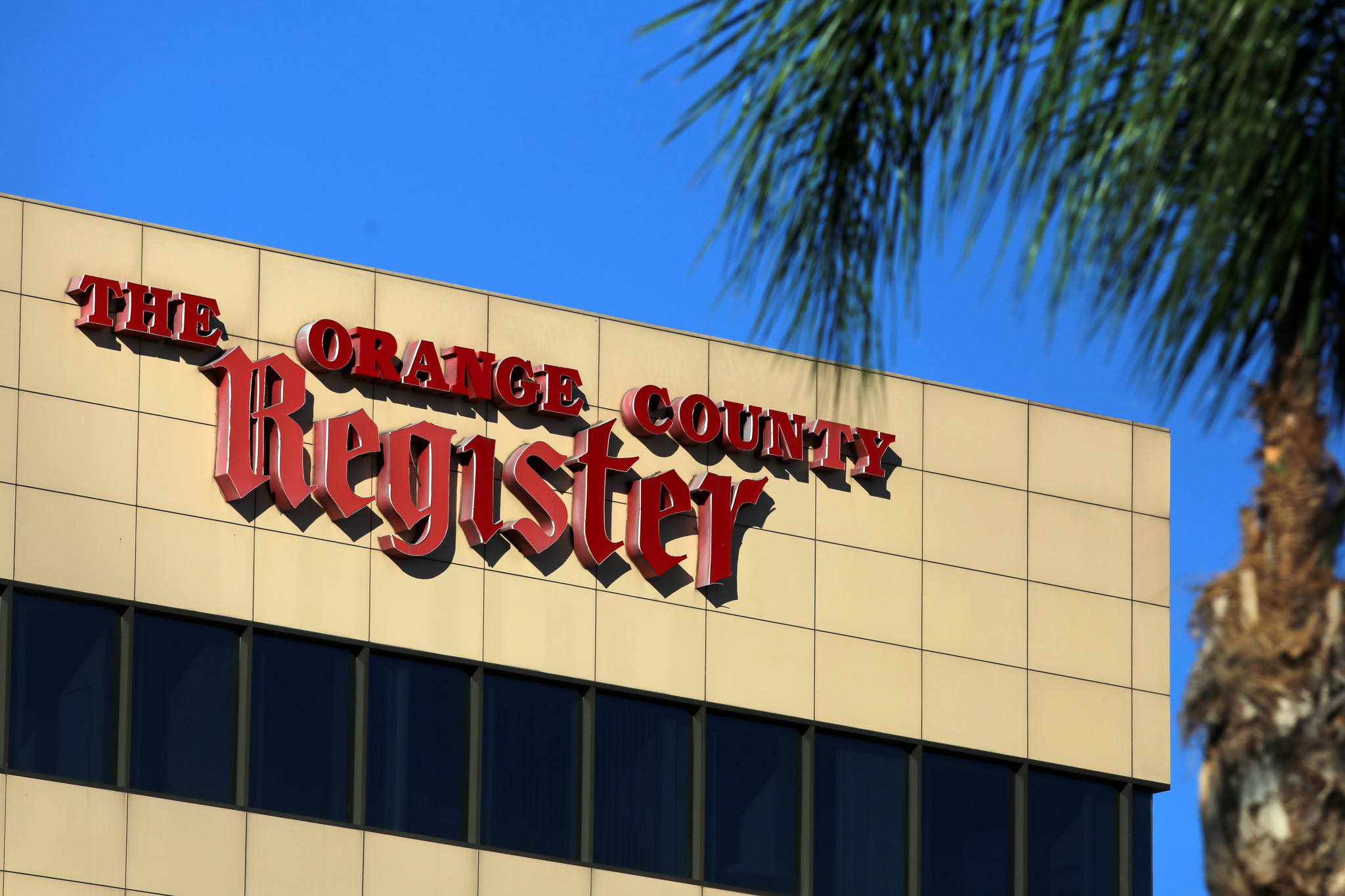 O C Register To Be Sold Lower Bidder After Tribune Publishing Bid Blocked By Judge Chicago