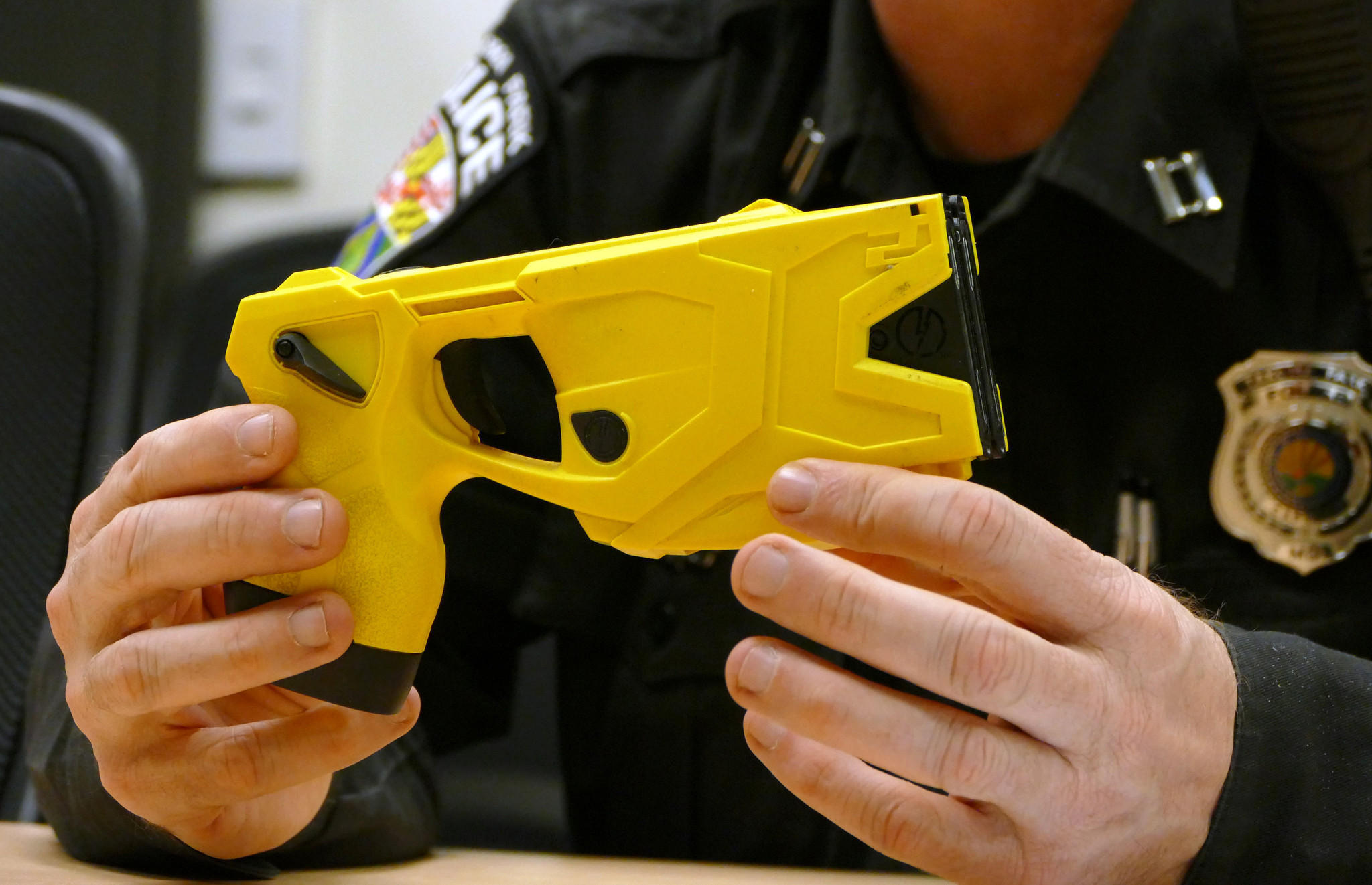 police officers could be sued over unconstitutional taser