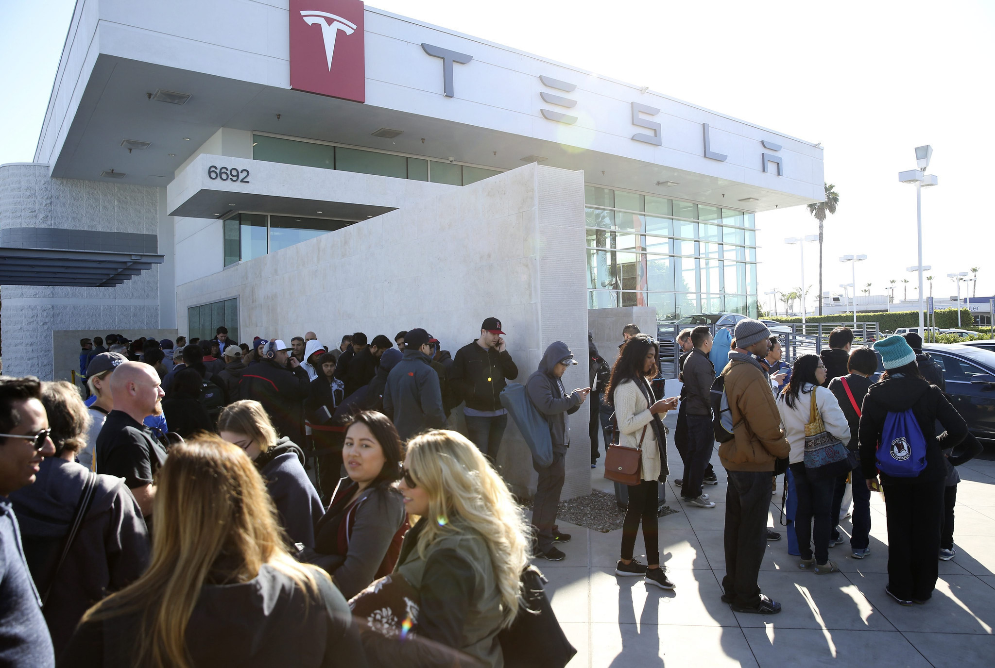 tesla model 3 why it 39 s important and what we know baltimore sun. Black Bedroom Furniture Sets. Home Design Ideas