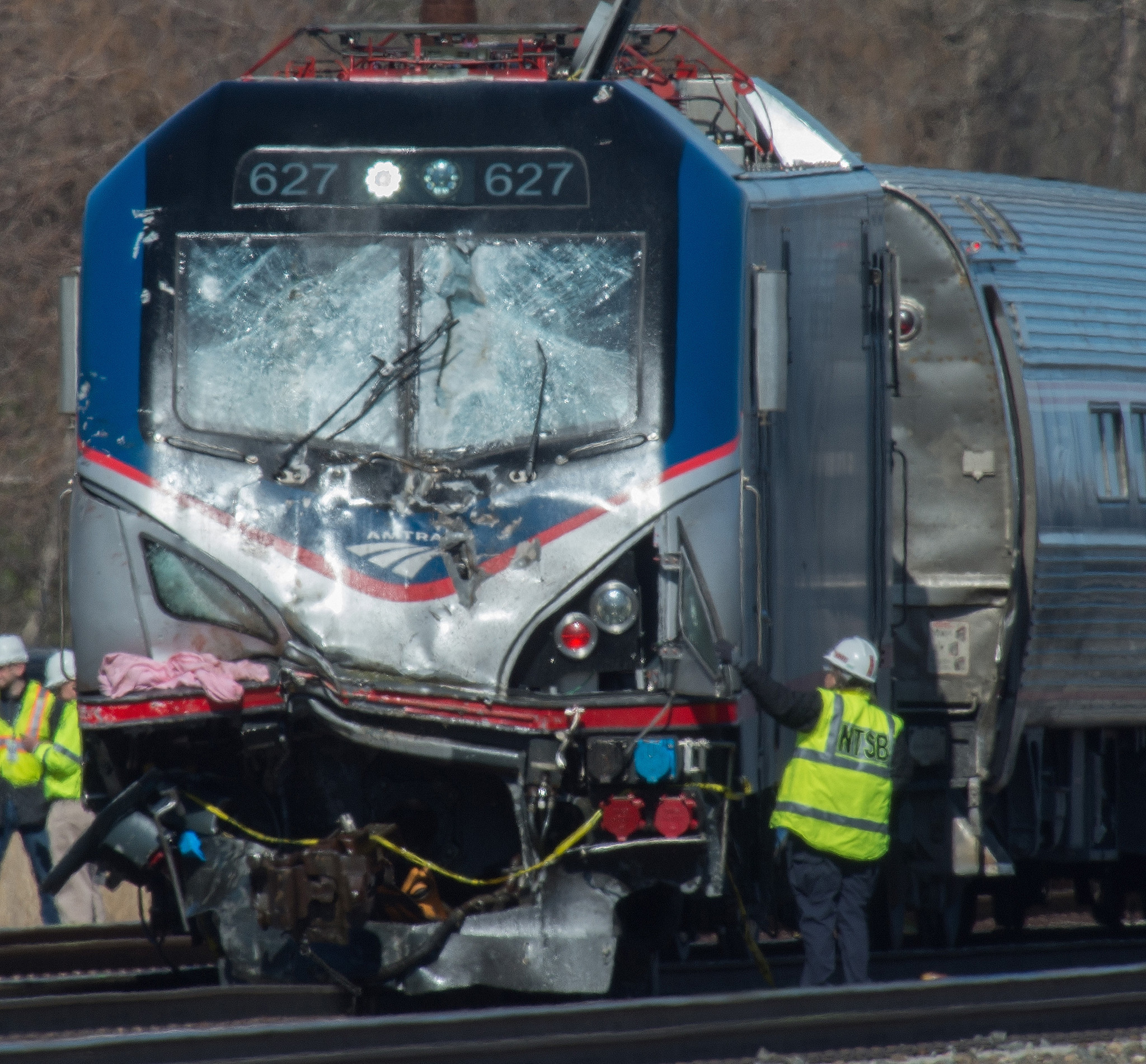 2 dead, dozens hurt in Amtrak train derailment near Philadelphia