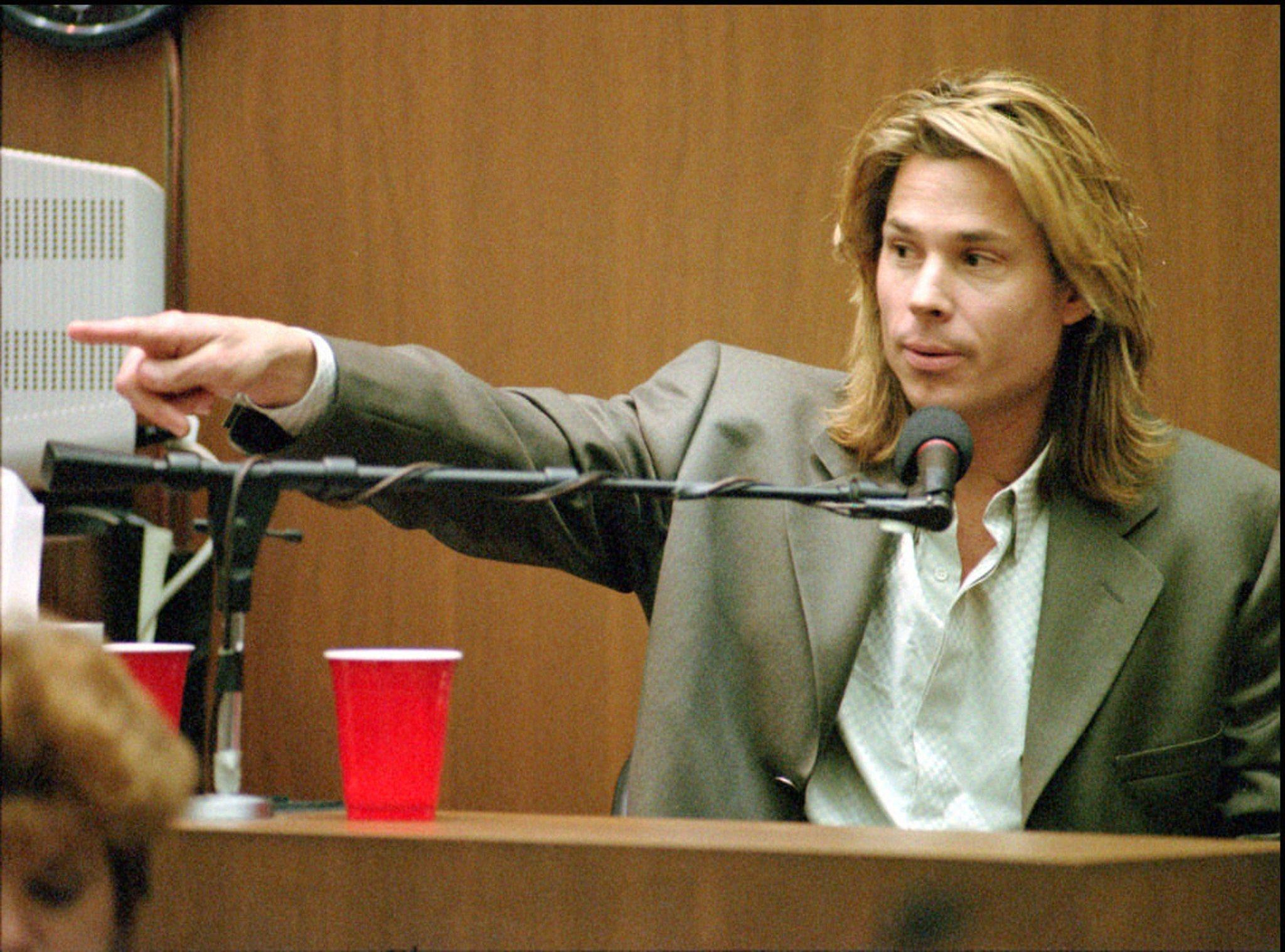 Kato Kaelin acted as a witness.