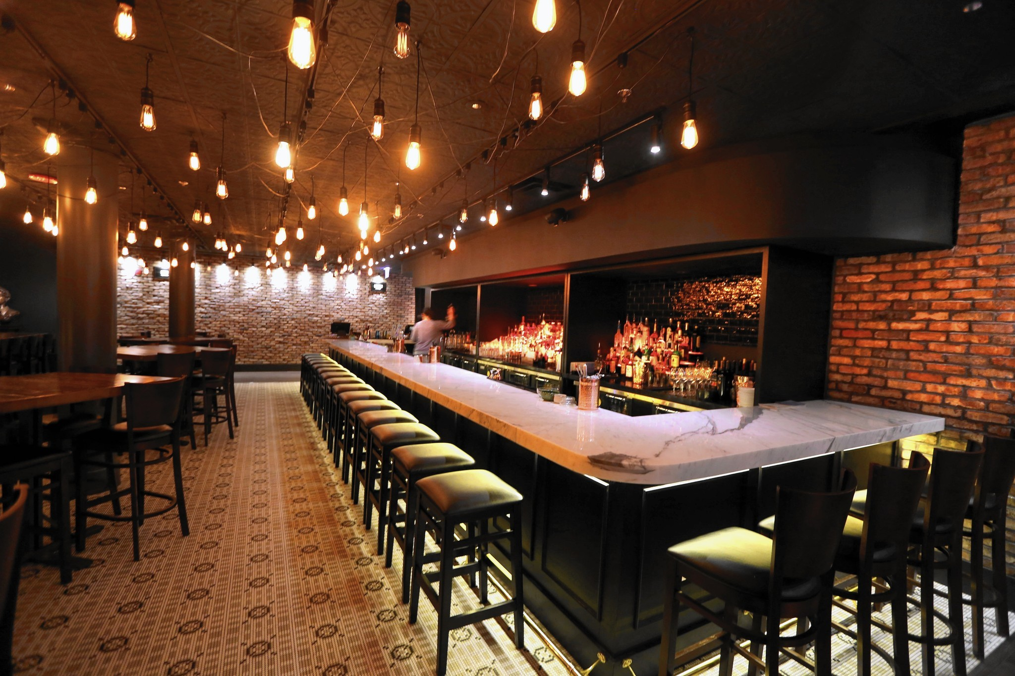 A Look Inside Second City S First Restaurant 1959 Kitchen Bar