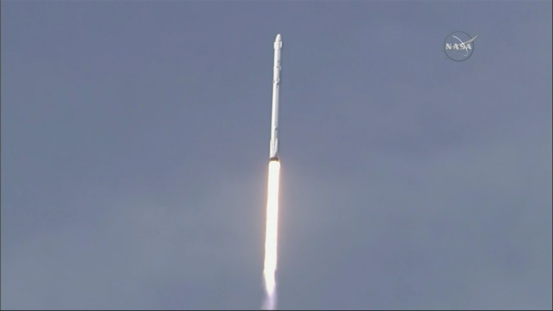 spacex rocket lifts payload to international space station pop up room mail pop up room dividers