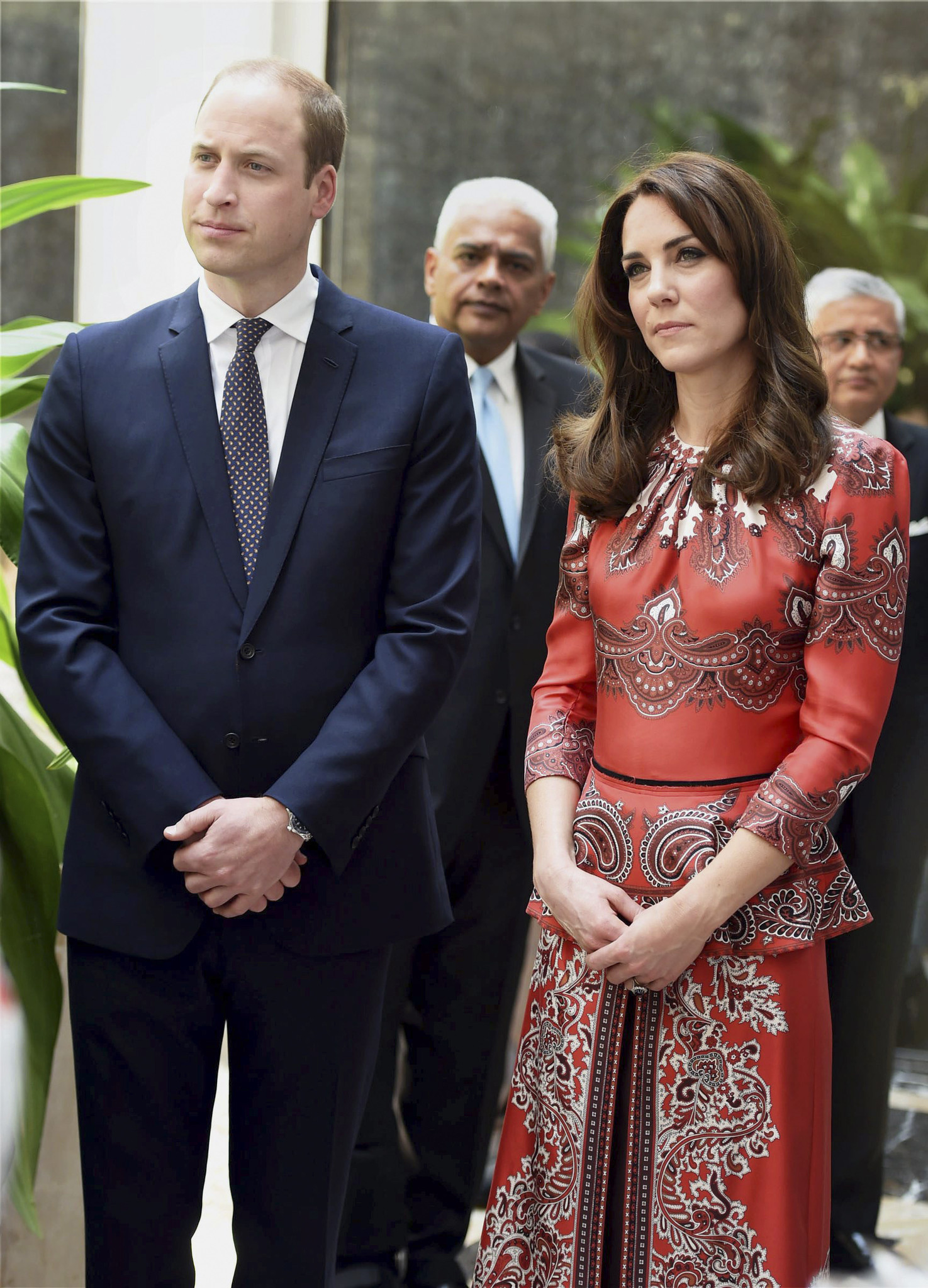 Prince William and wife Kate begin royal tour of India ...