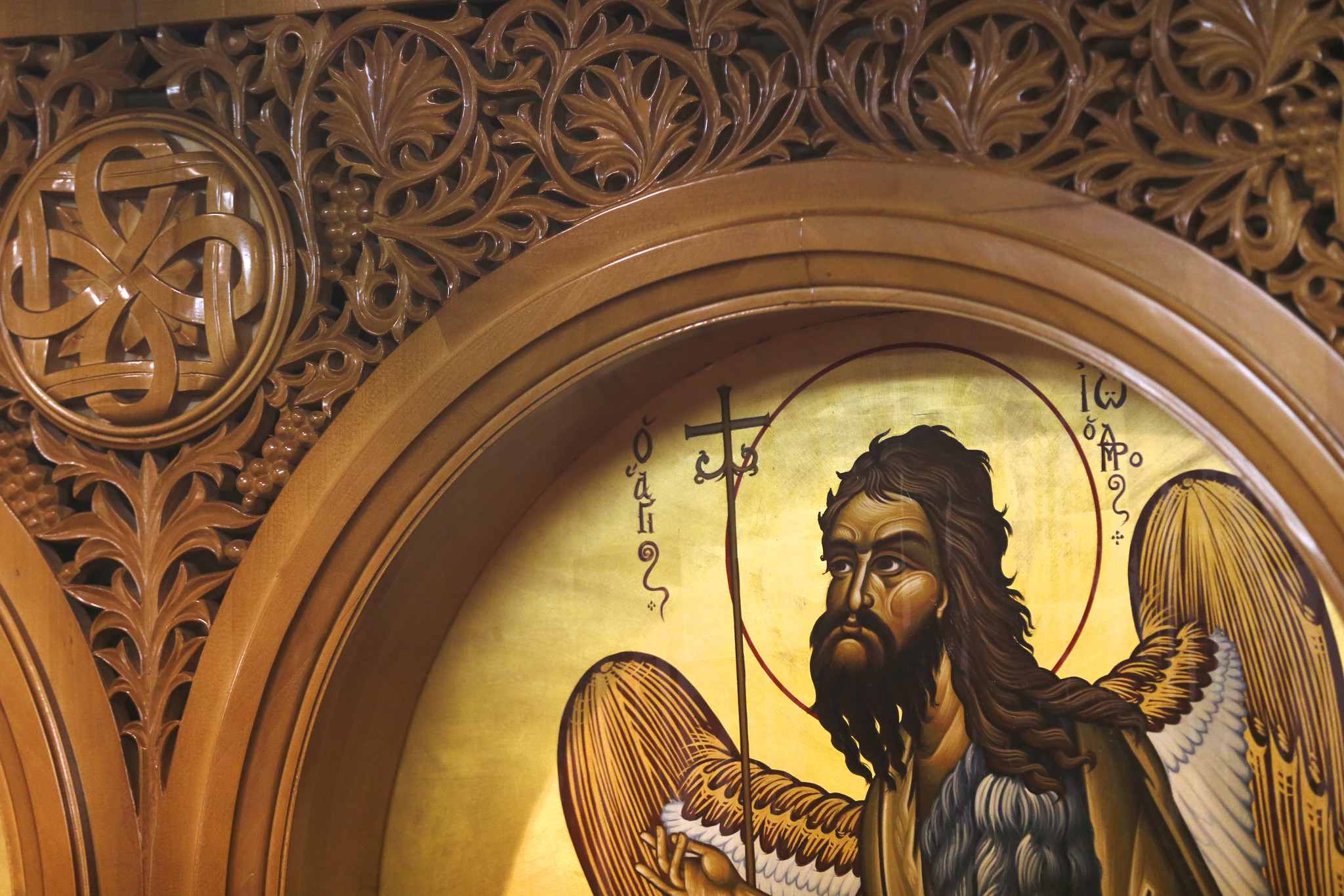 Thousands flock to 'miracle' icon at south suburban church ...