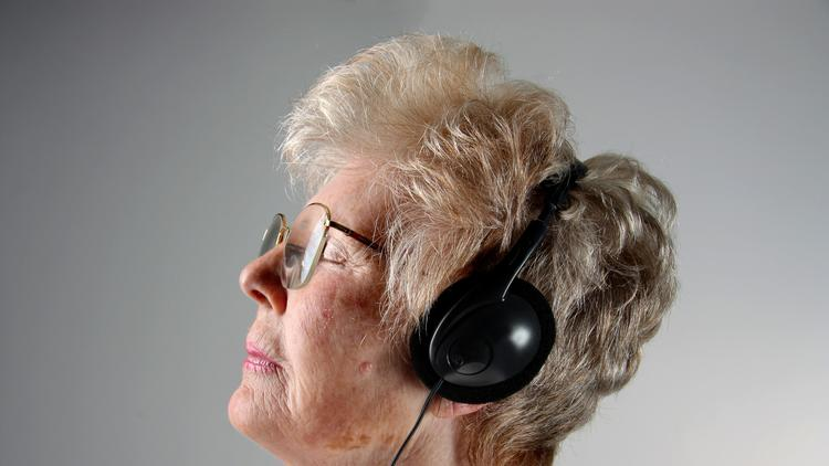 How Music Therapy Brings Joy to People with Memory Loss