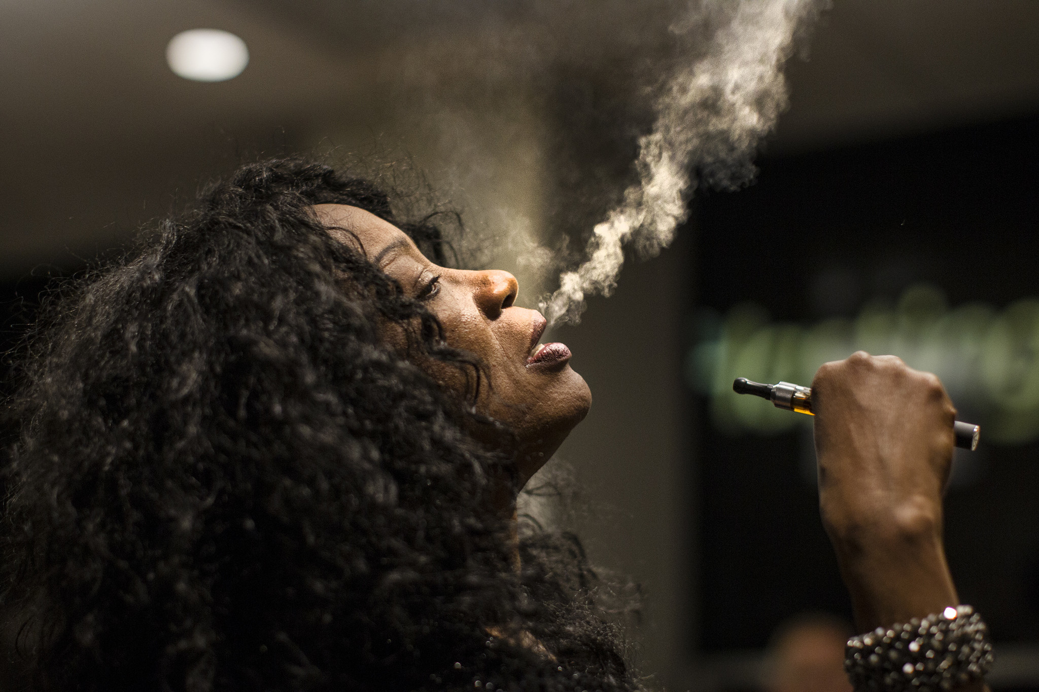 california s smoking age raised from 18 to 21 under bills signed california s smoking age raised from 18 to 21 under bills signed by gov brown la times