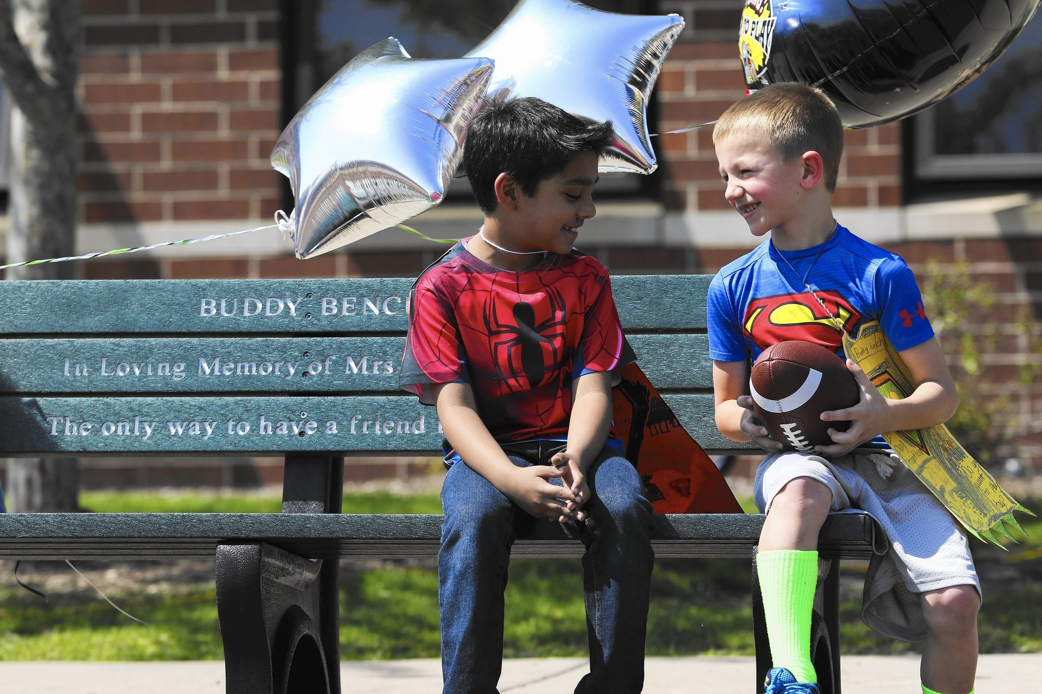 Buddy Bench Gives Kids Reason Not To Sit For Long At Recess Naperville Sun