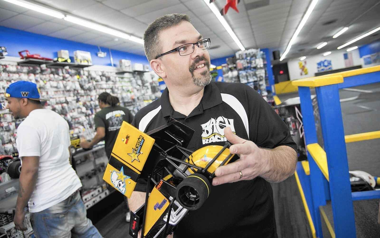 Pasadena Man Fosters Rc Car Community After Battle With