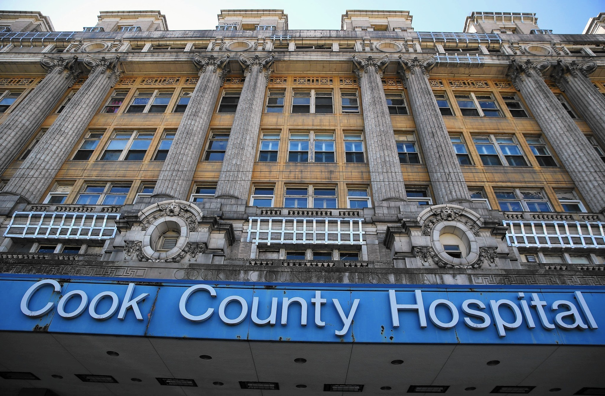 Old Cook County Hospital rehab gets thumbs up - Chicago ...