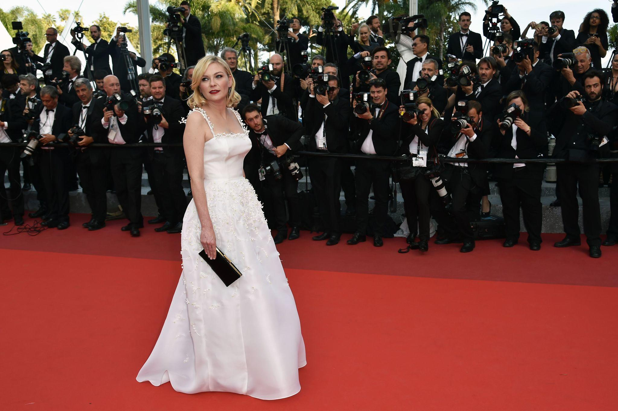 "Actress and jury member Kirsten Dunst arrives at the premiere of ""Loving"" at the Cannes Film Festival. (Alberto Pizzoli / AFP/Getty Images)"
