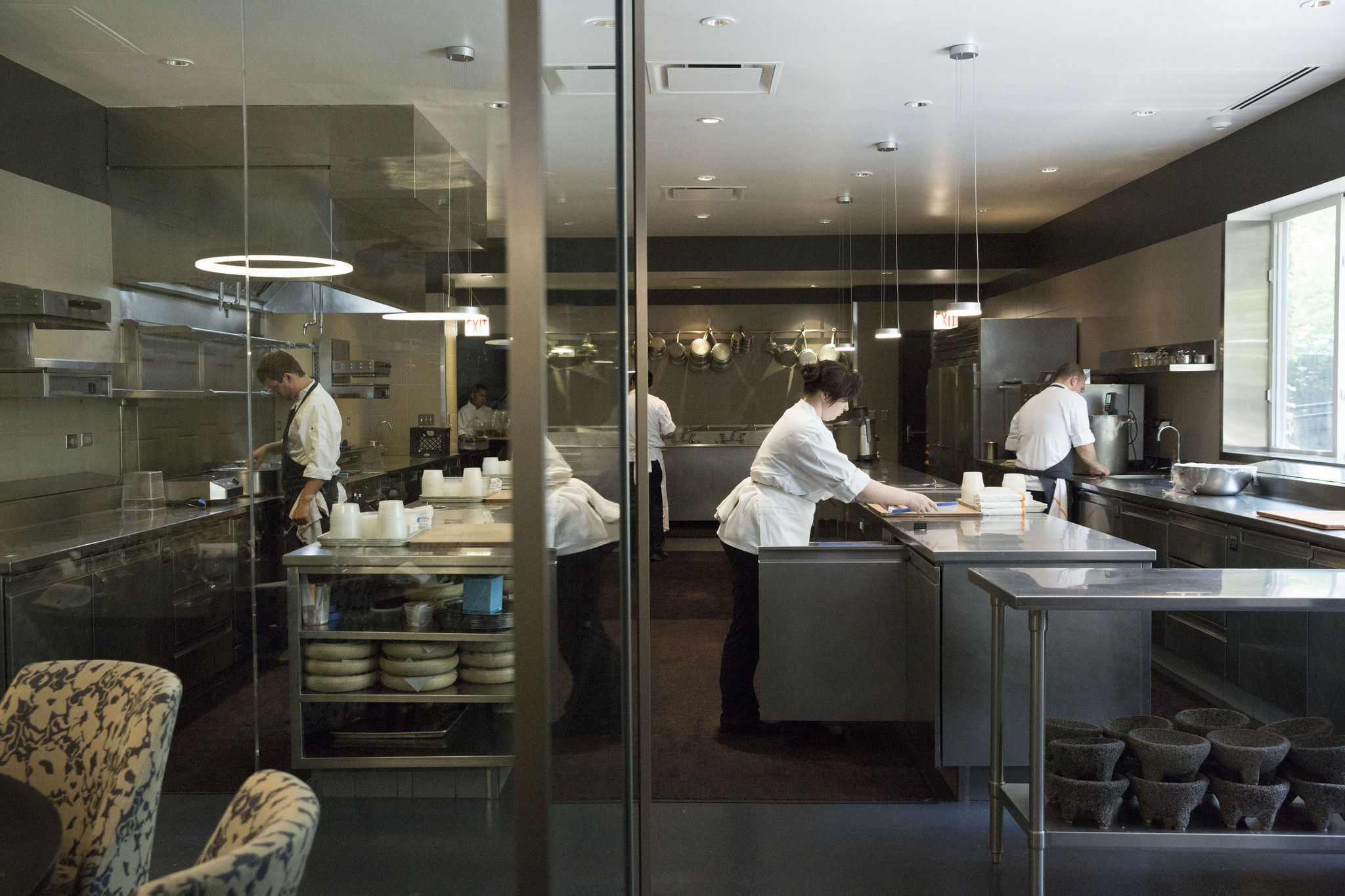 Alinea Tickets Go On Sale At 11 A M Chicago Tribune