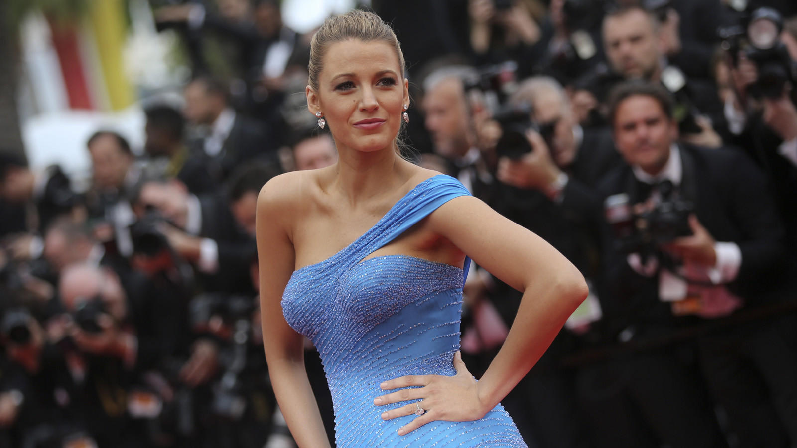 Blake Lively quotes Sir Mix-a-Lot, causing people's heads ...
