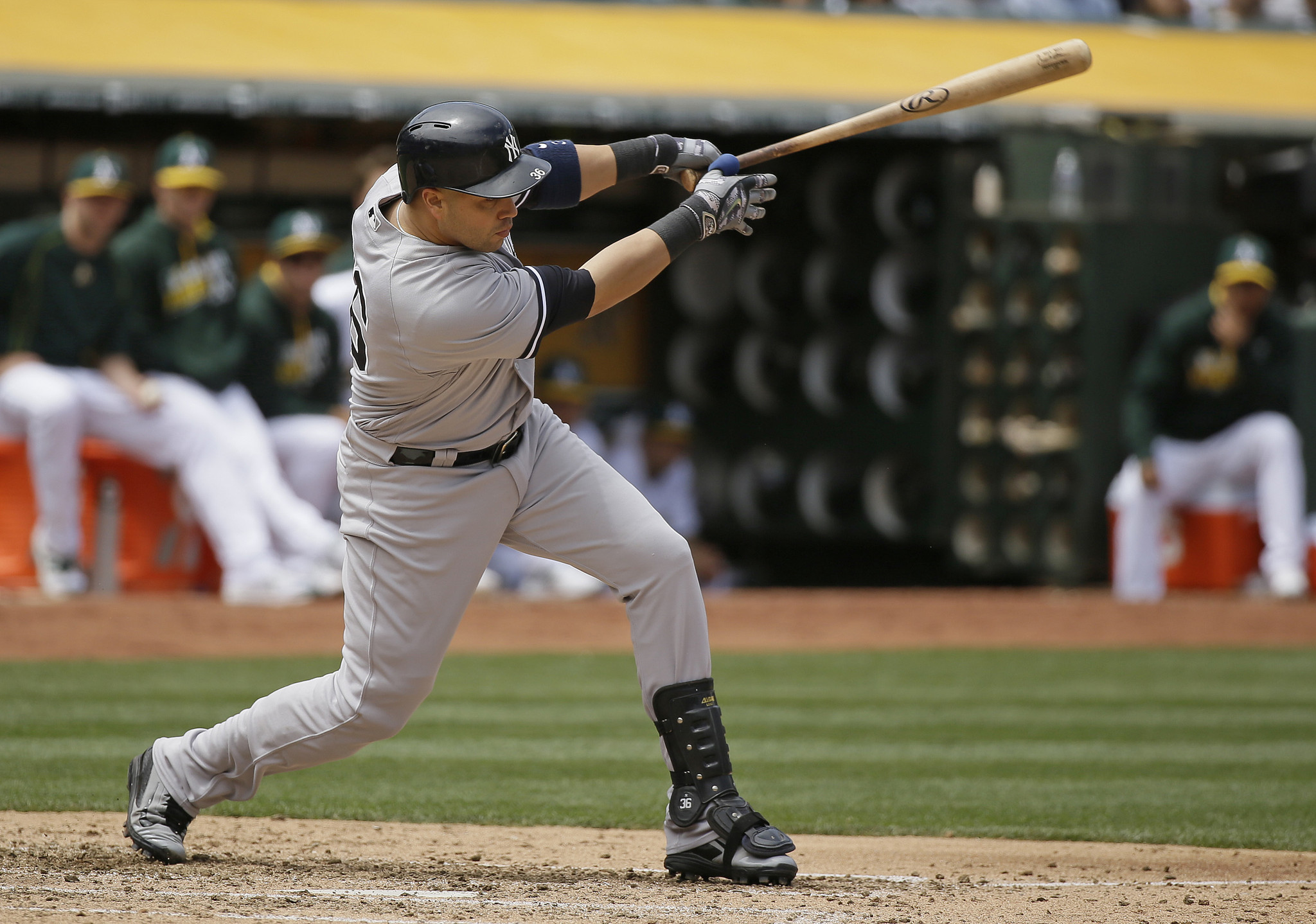 Castro Beltran Help Yankees Beat A S For 4th Straight Win