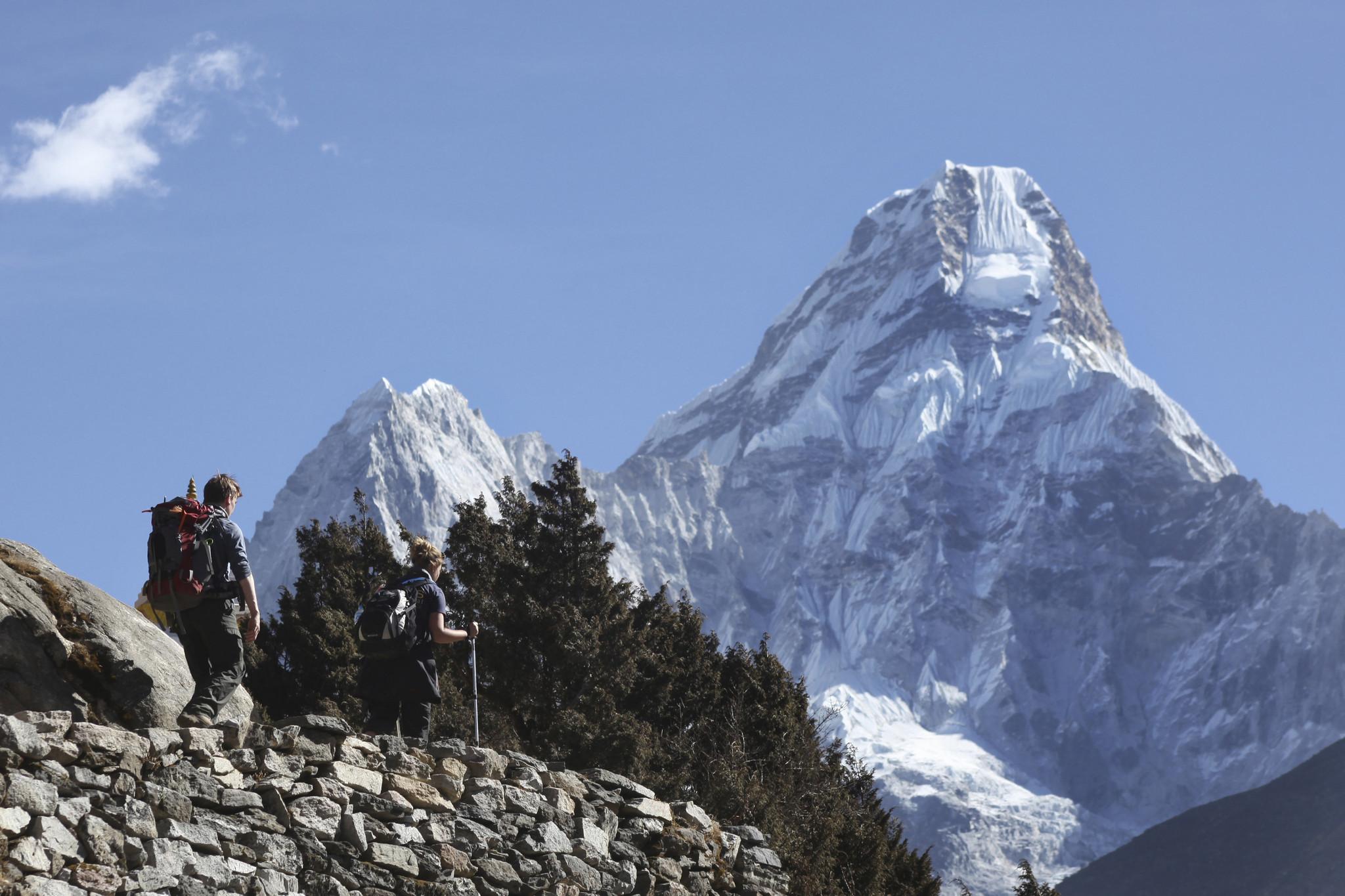 2 climbers dead, 2 missing on Mount Everest - Sun Sentinel