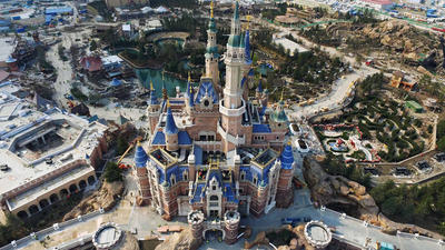 Food prices at Shanghai Disneyland give early visitors heartburn