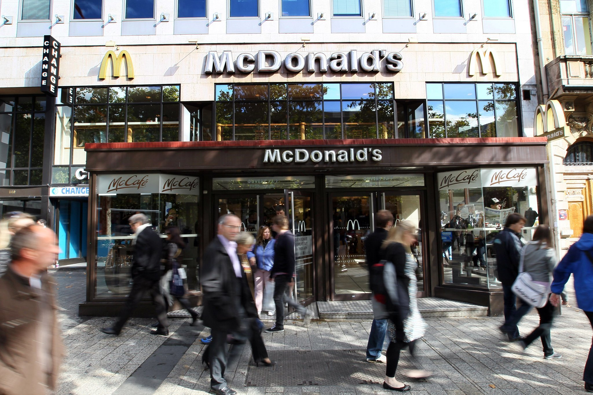 Tax Fraud Police Raid Mcdonald S French Headquarters