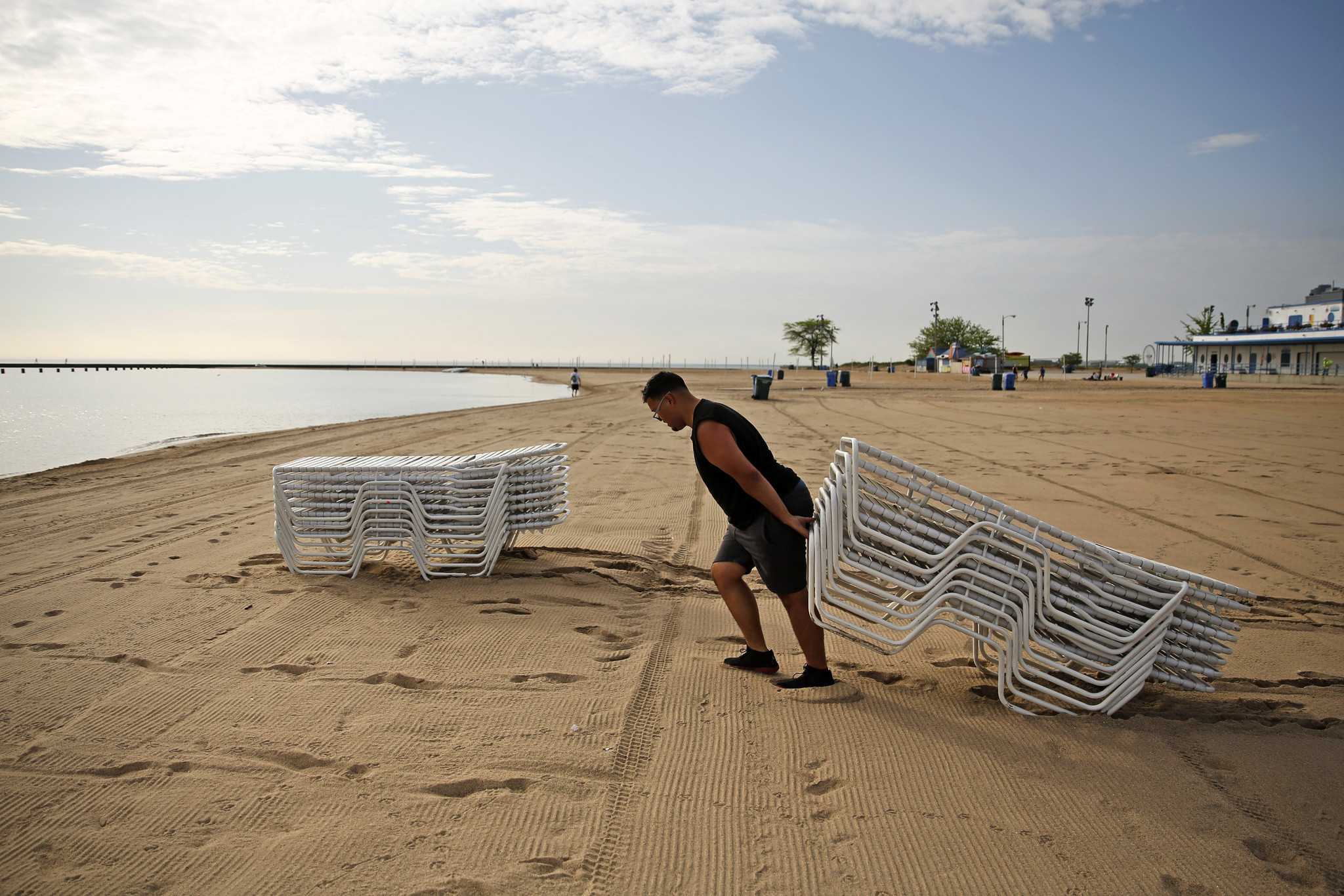 Chicago beaches open for the summer - Chicago Tribune