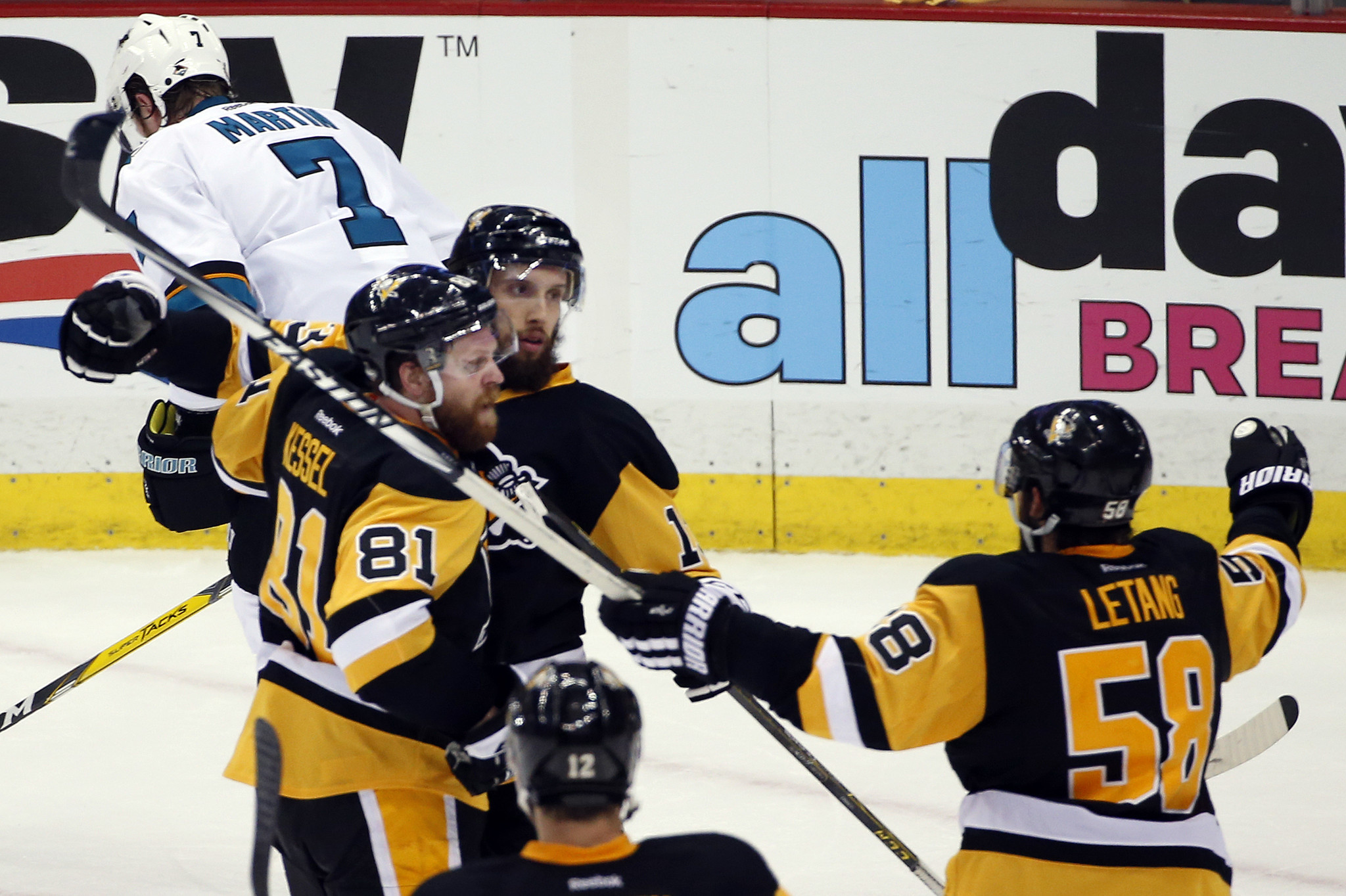 Penguins edge Sharks 3-2 in Game 1 of Stanley Cup Final - Chicago ... dbf557519