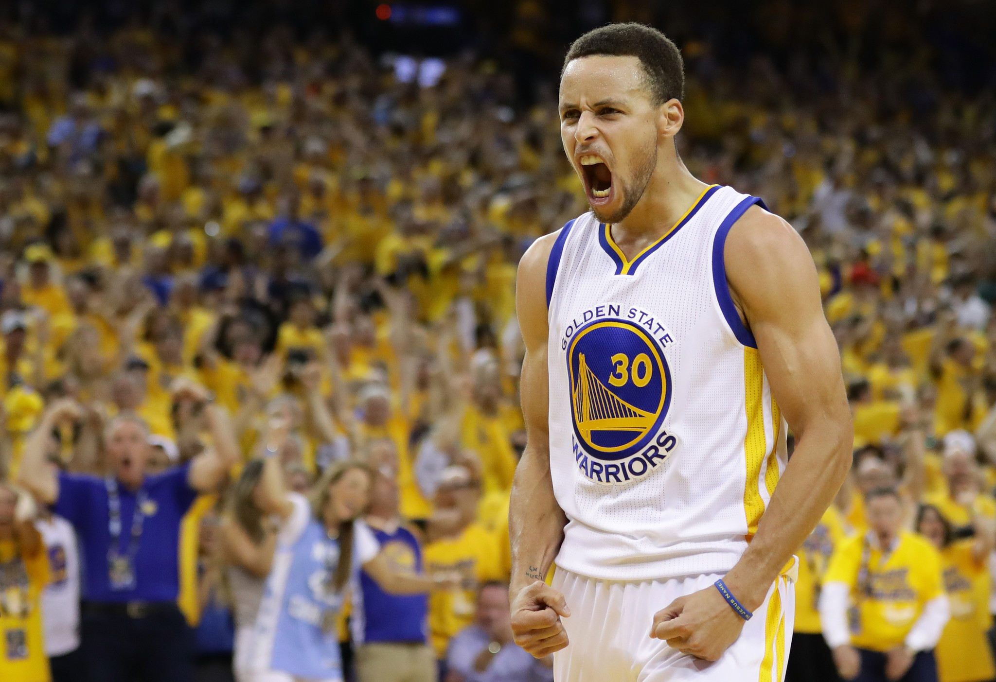 Stephen Curry and record-setting Warriors headed back to ...