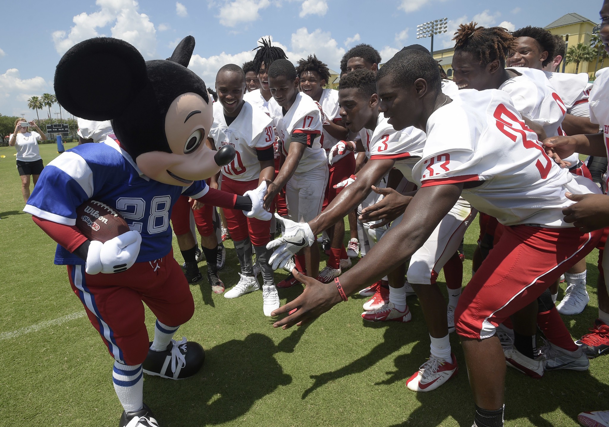 NFL s Pro Bowl moves to Orlando - Chicago Tribune efe6227f3