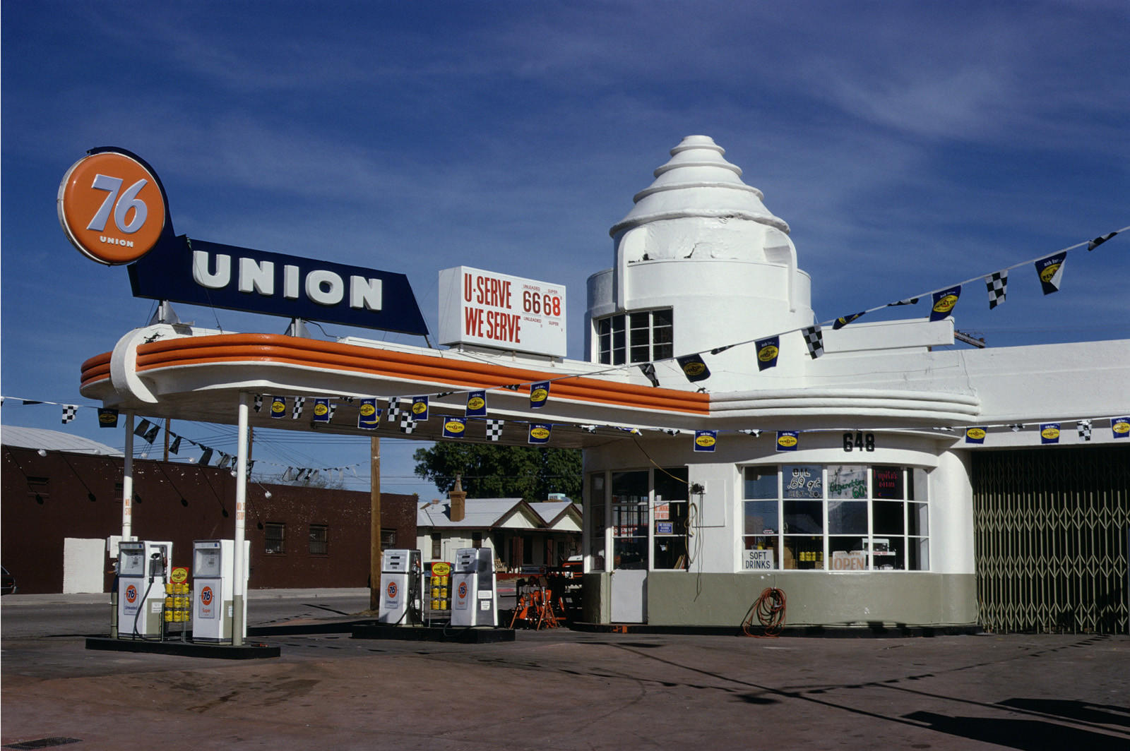 Union 76 Gas Station, Tucson, Ariz., 1979