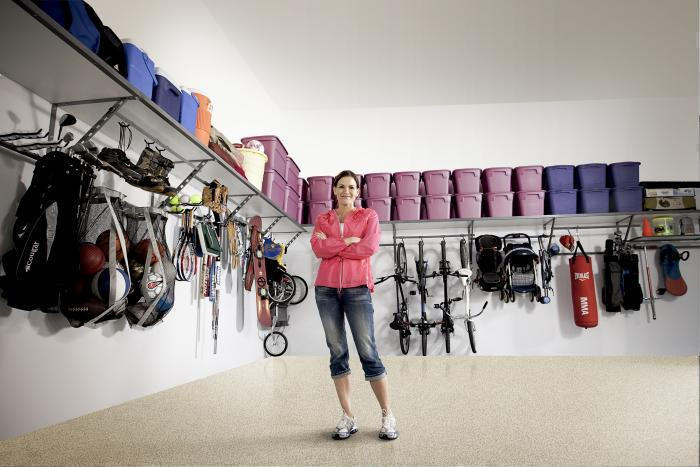 Here S The Secret To Organizing Your Garage Use The Walls
