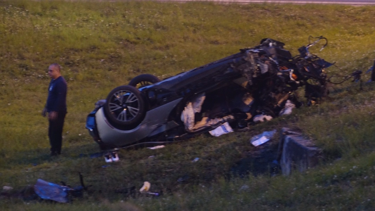 One Dead One Critical In Turnpike Ramp Rollover In