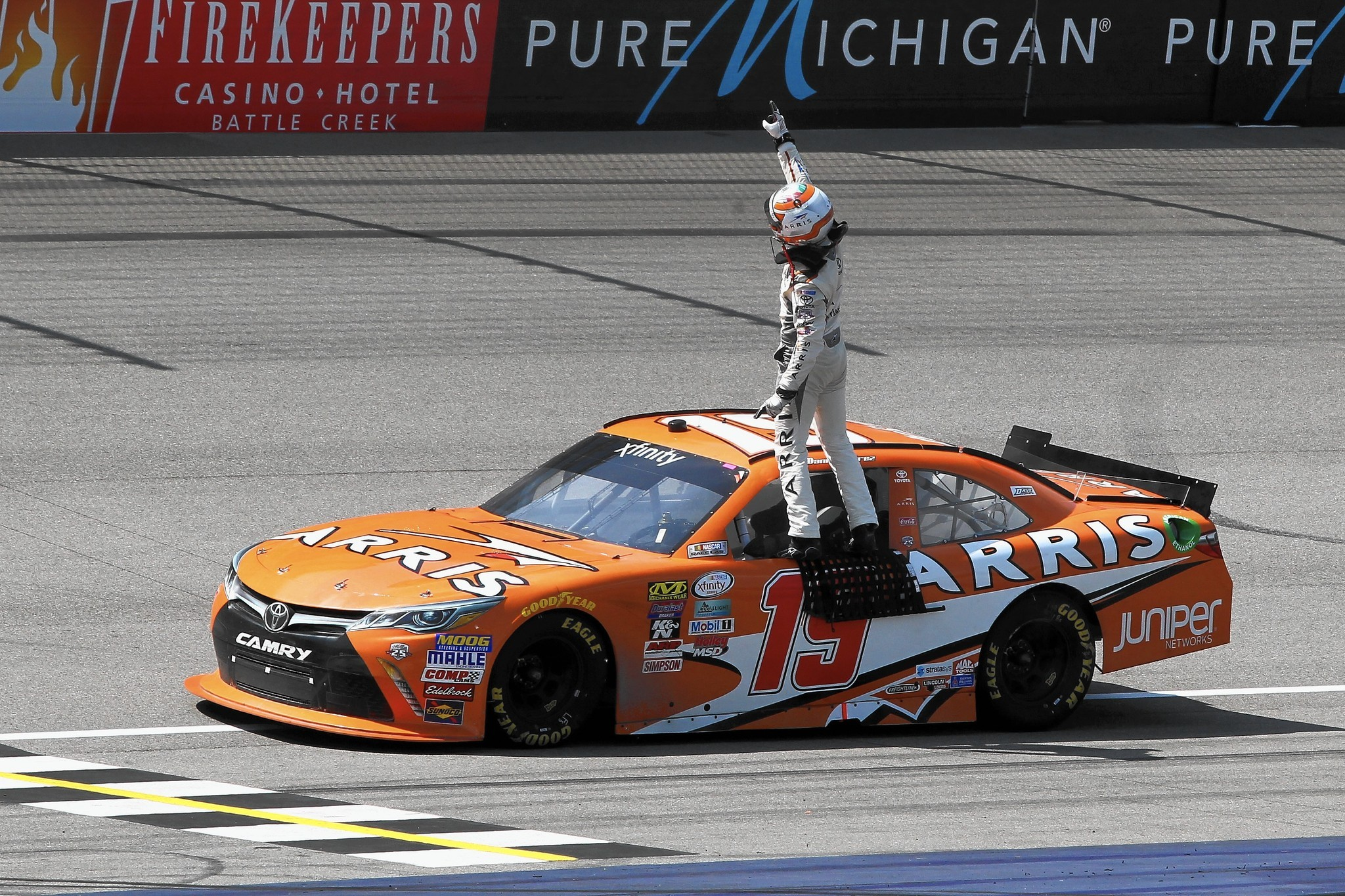 Suarez Becomes 1st Mexican To Win NASCAR National Race