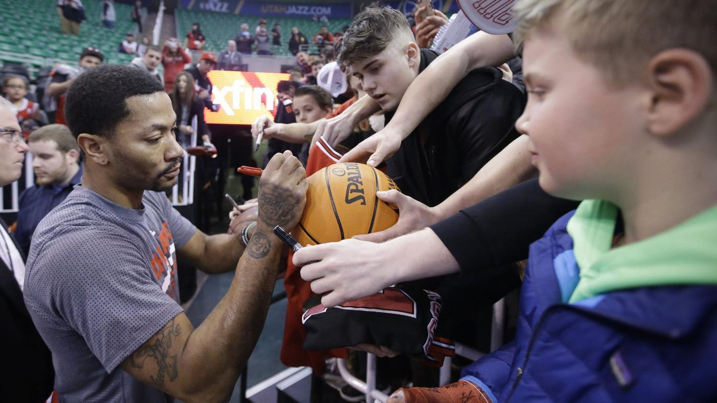 e40bde429365 Bulls trade Derrick Rose to Knicks