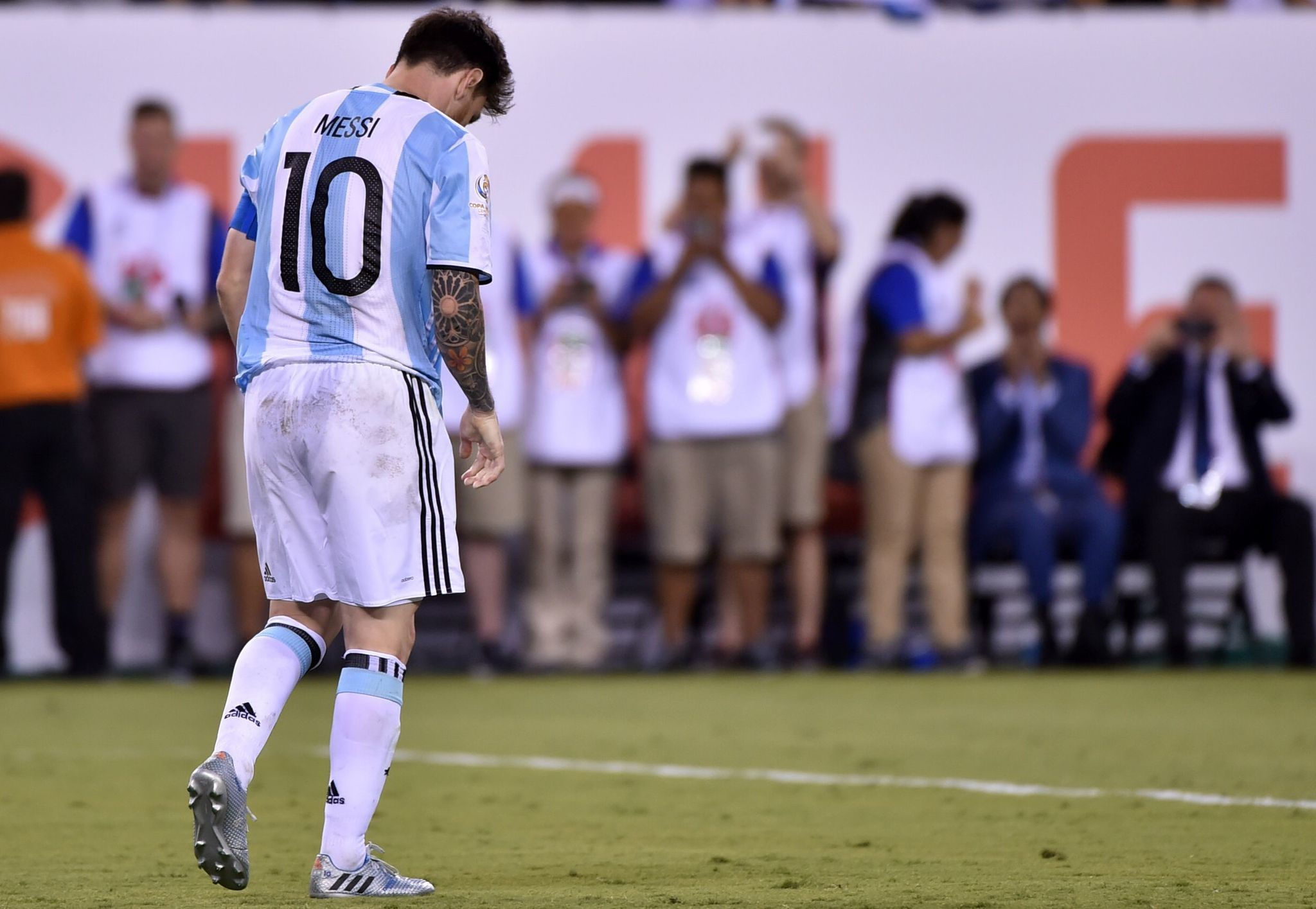 Lionel Messi Says He Is Quitting Argentinas National Team After Loss In Copa Final Chicago Tribune