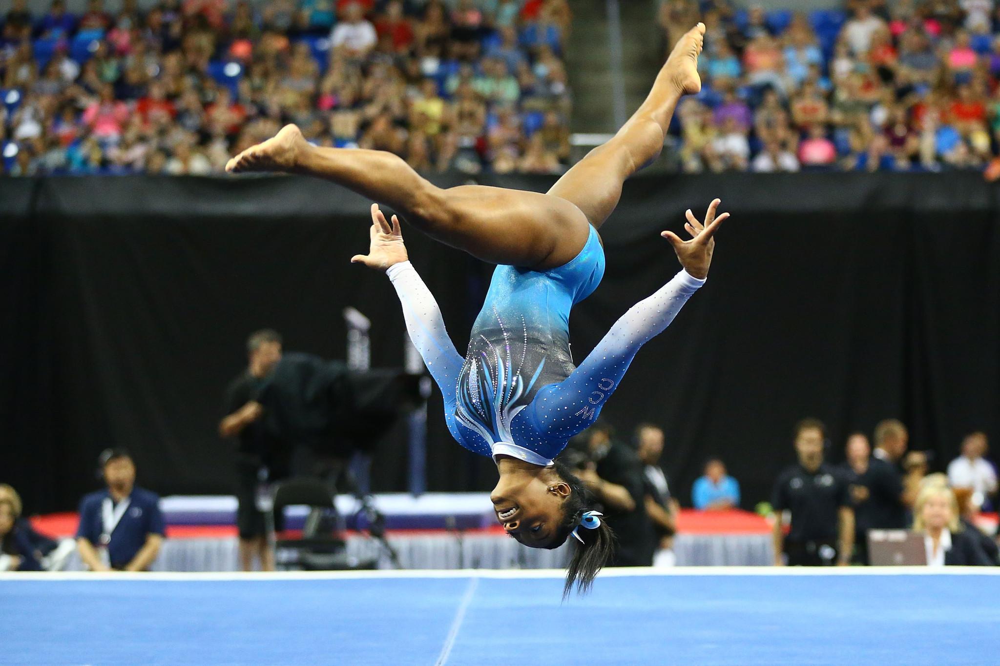 Simone Biles Glides To 4th Straight U S Gymnastics Title