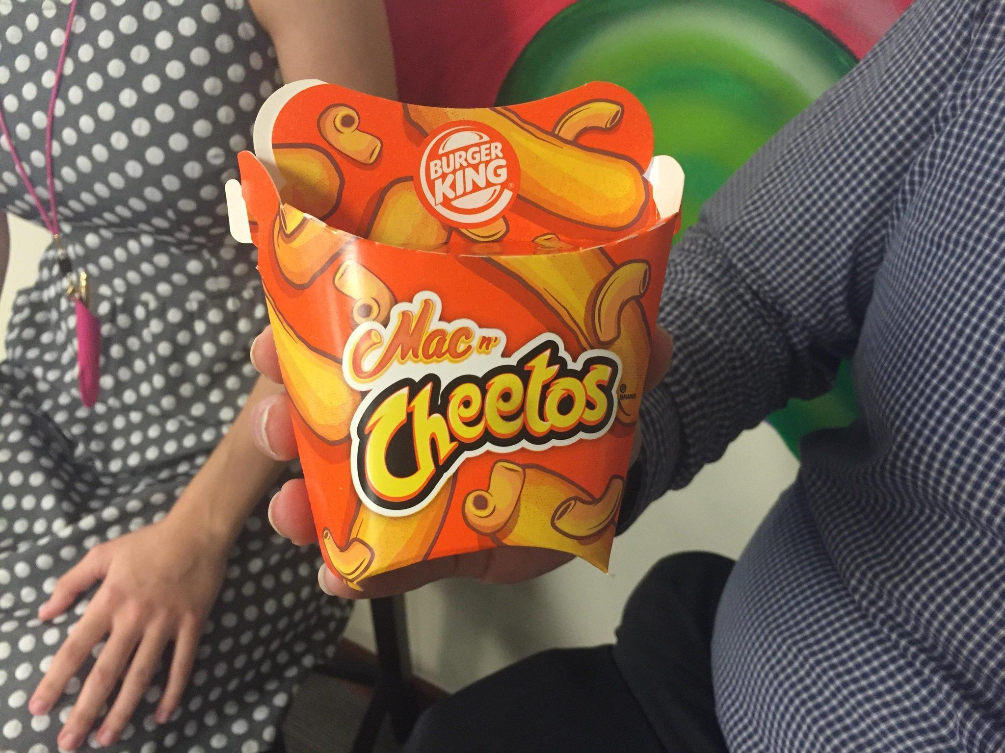We Tried Burger King Mac N Cheetos