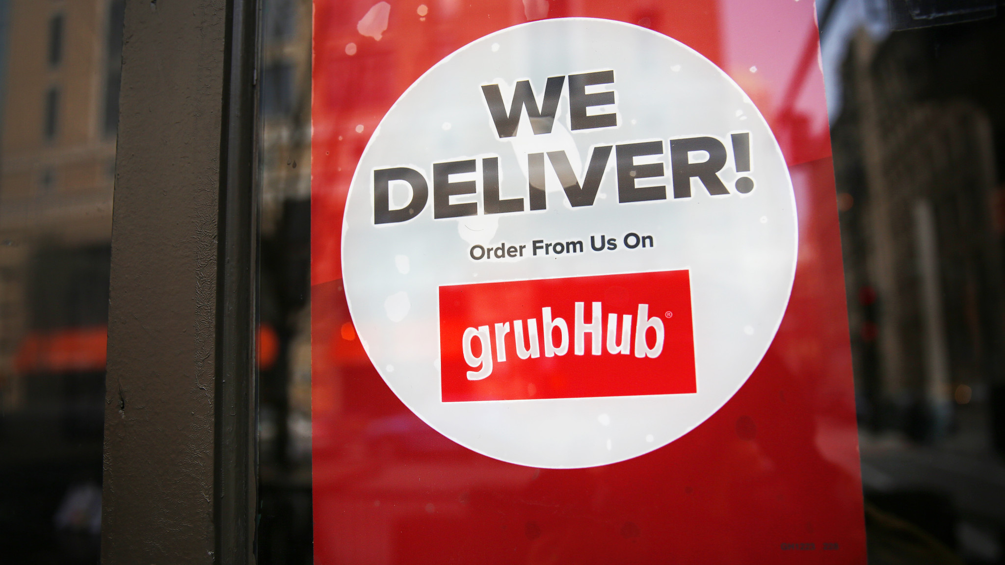 grubhub delivery drivers sue over contractor status