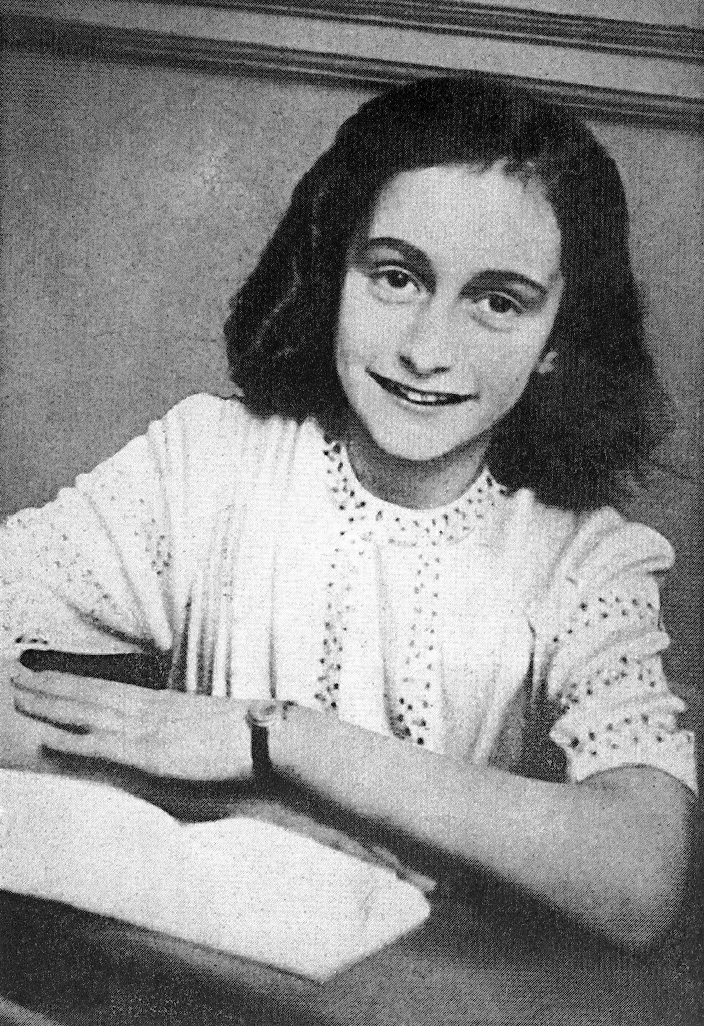 From The Archives Elie Wiesel On Anne Frank Chicago Tribune