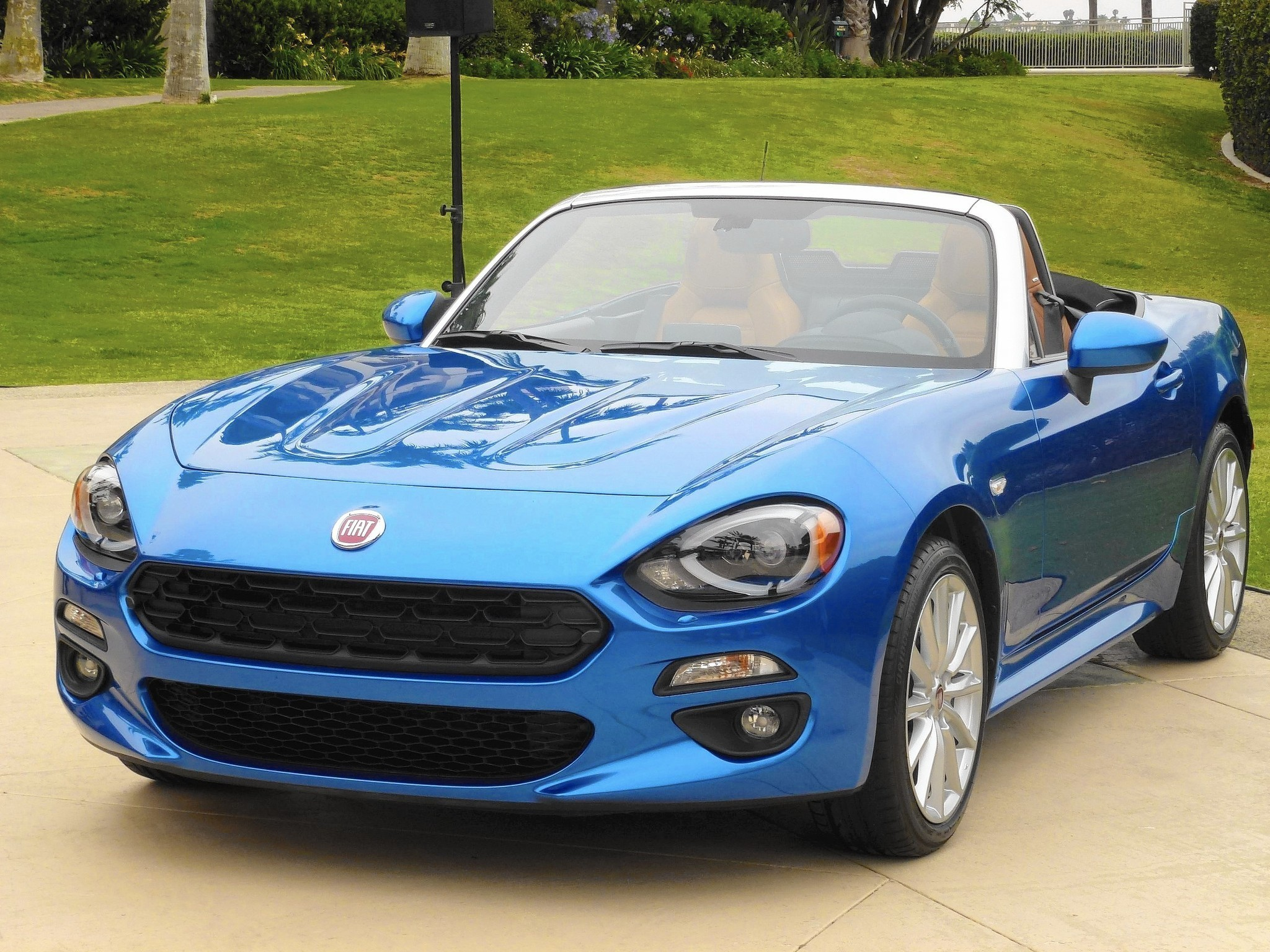 2017 Fiat 124 Spider Captures Spirit Of Original Despite Miata Dna Rear Axle Schematic Chicago Tribune