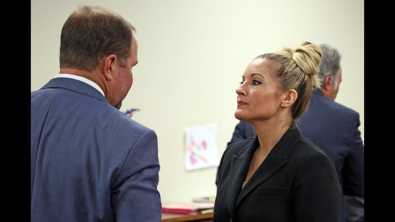 Lexus Fort Lauderdale >> Kim Rothstein, ex-wife of Ponzi schemer, tells judge she is reformed, works at car dealership ...