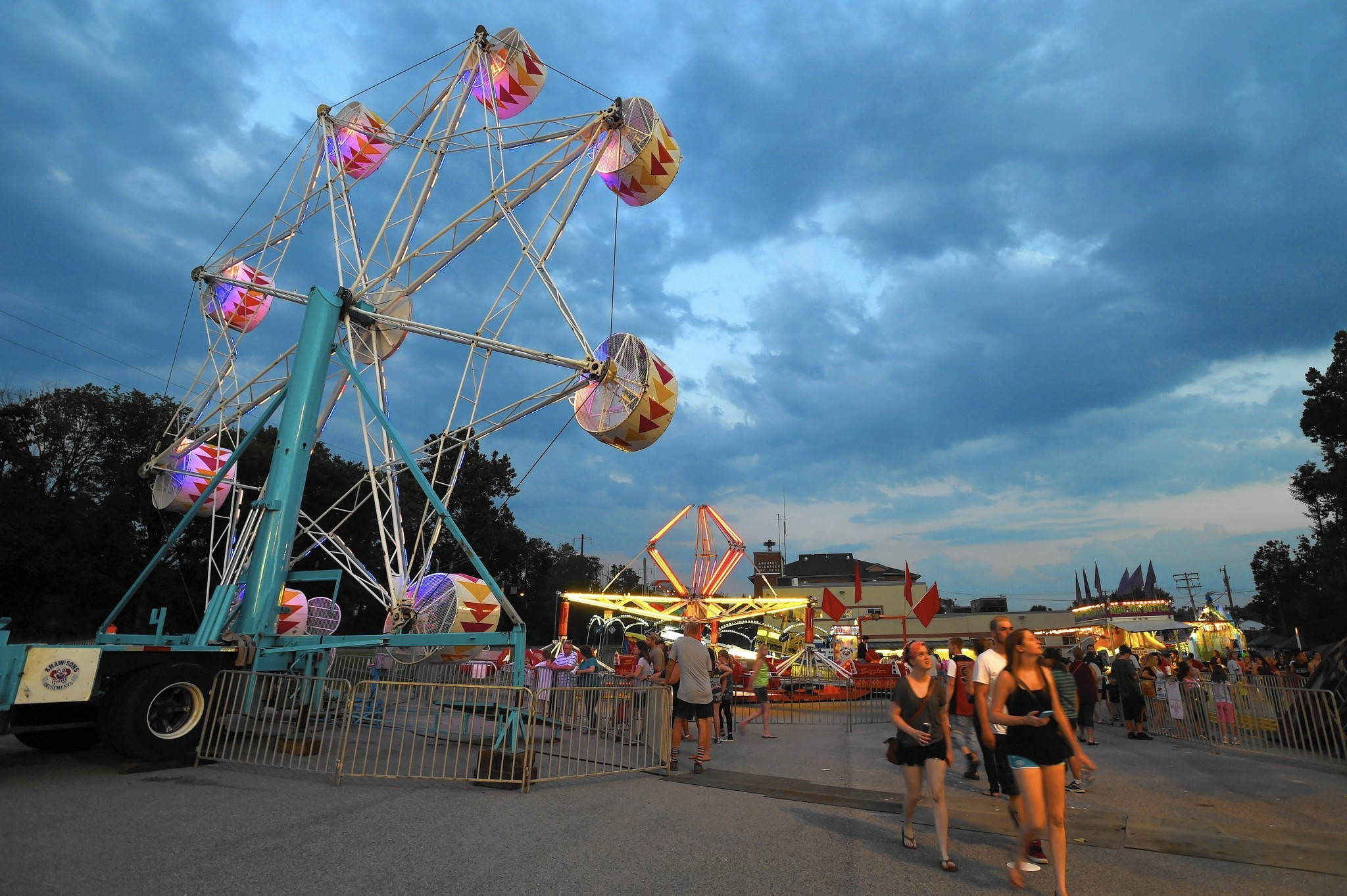 Fight at Arbutus carnival spills into streets - Baltimore Sun