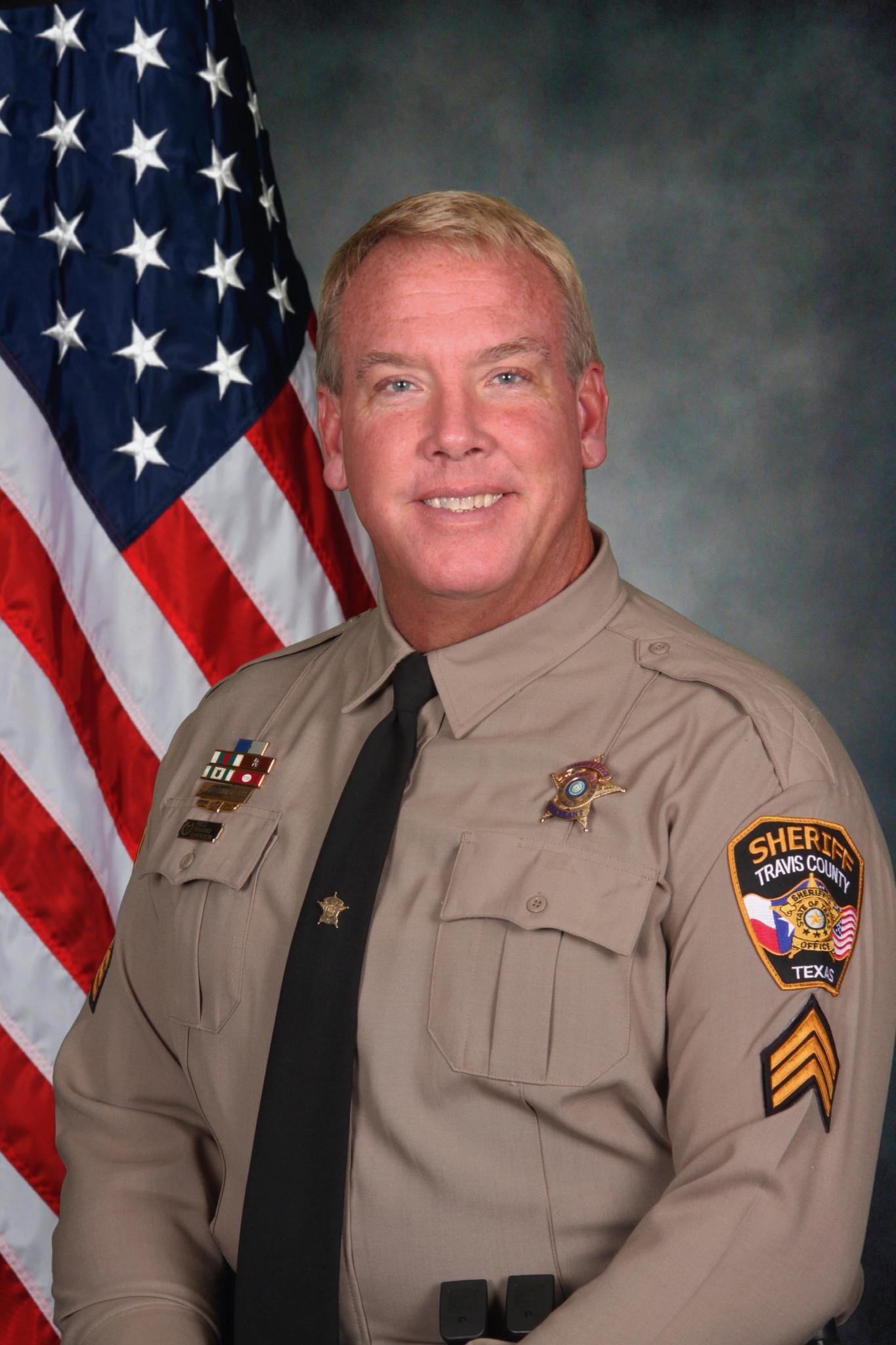 Texas sheriff's deputy killed in apparent burglary attempt ...