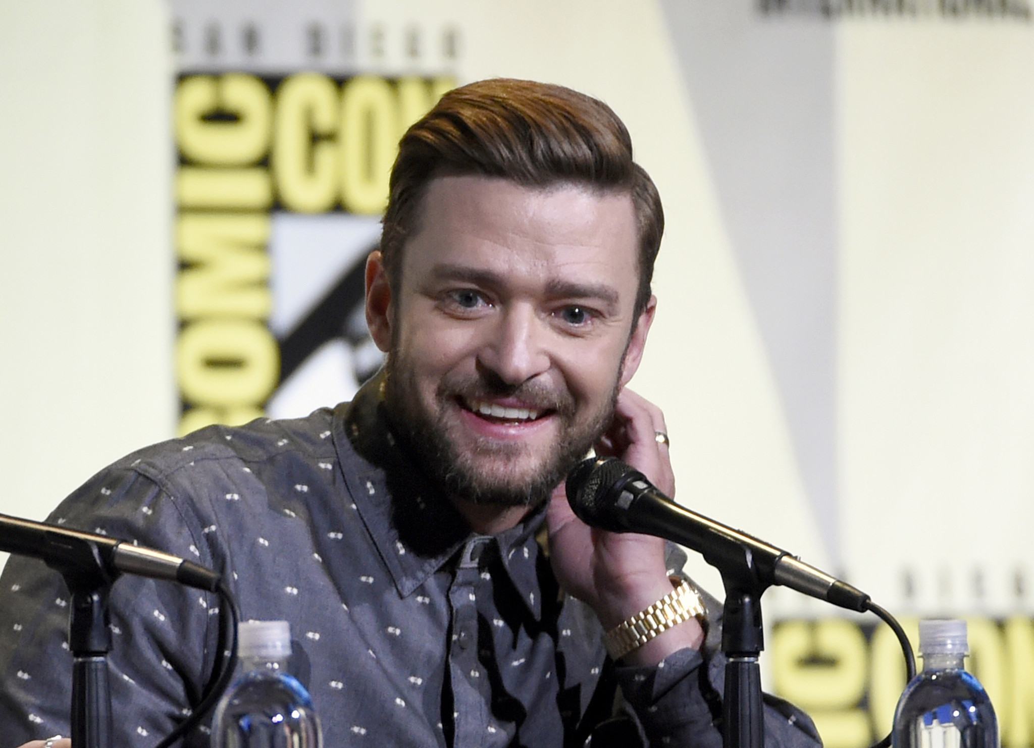 2c423ad20fd3b Fan arrested after  touching  Justin Timberlake during celebrity golf  tournament - Chicago Tribune