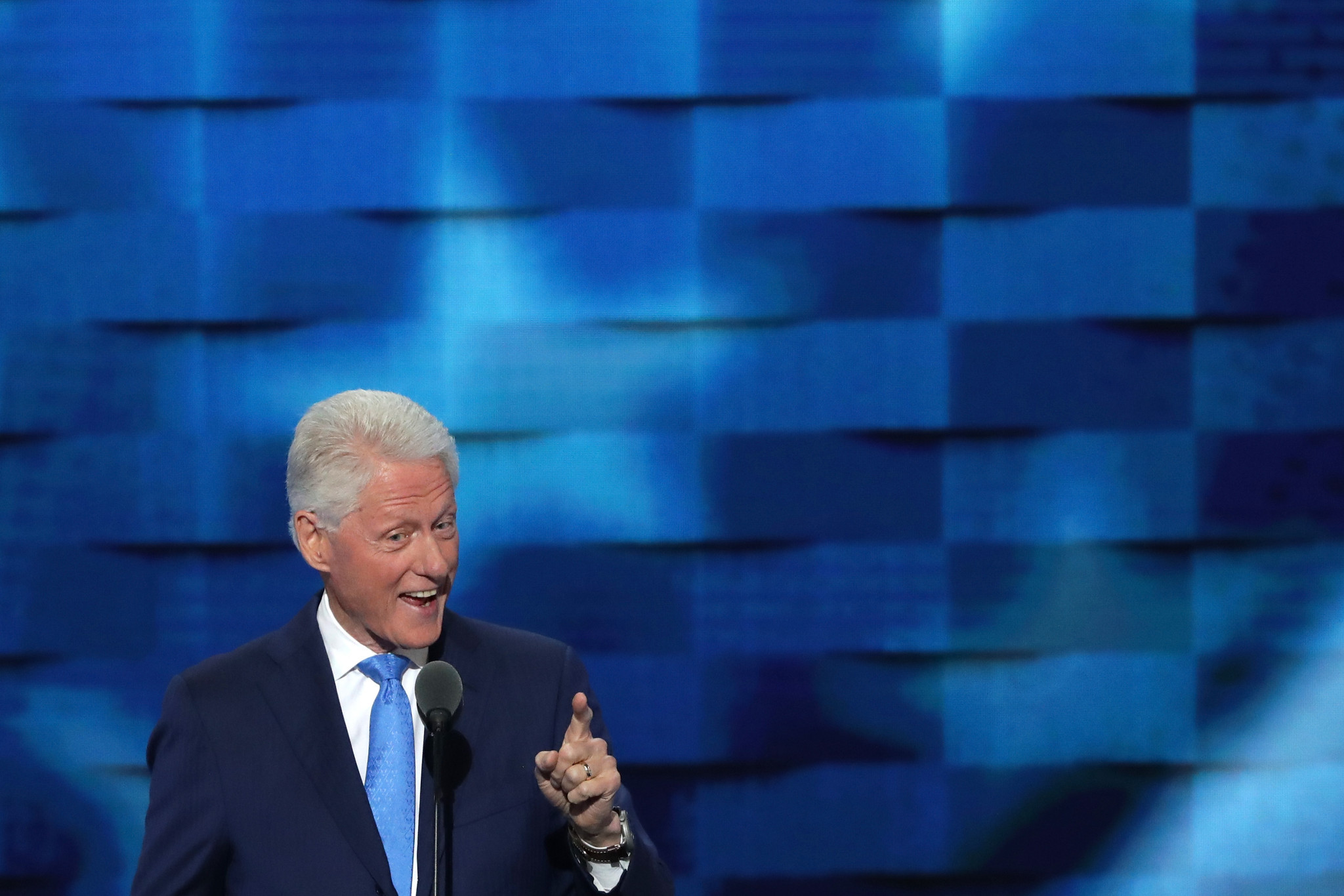 Did Bill Clinton take a sly dig at Cubs fans during DNC ...