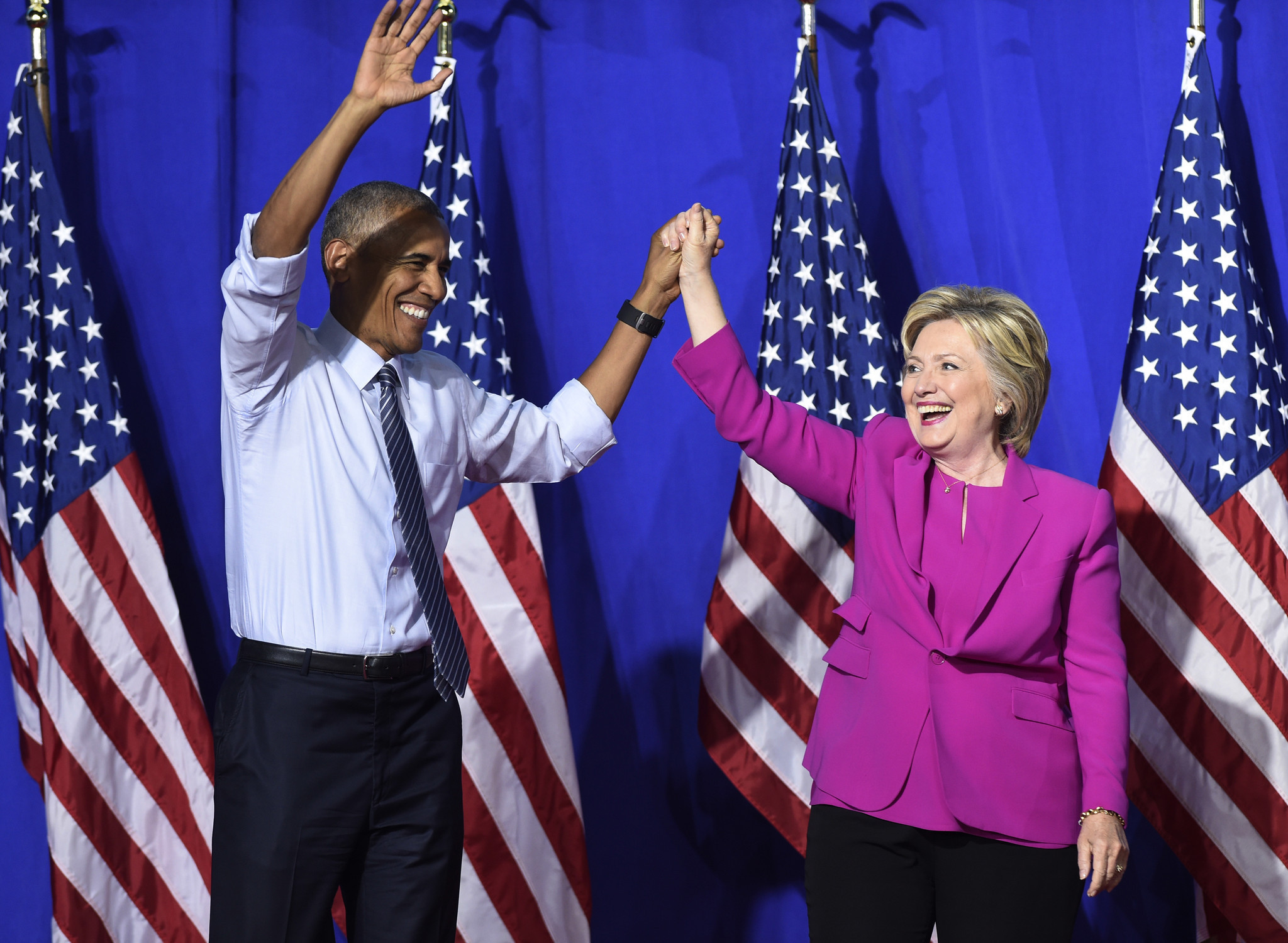 Clinton and Obama exchange insults as Democratic campaign debate gets personal