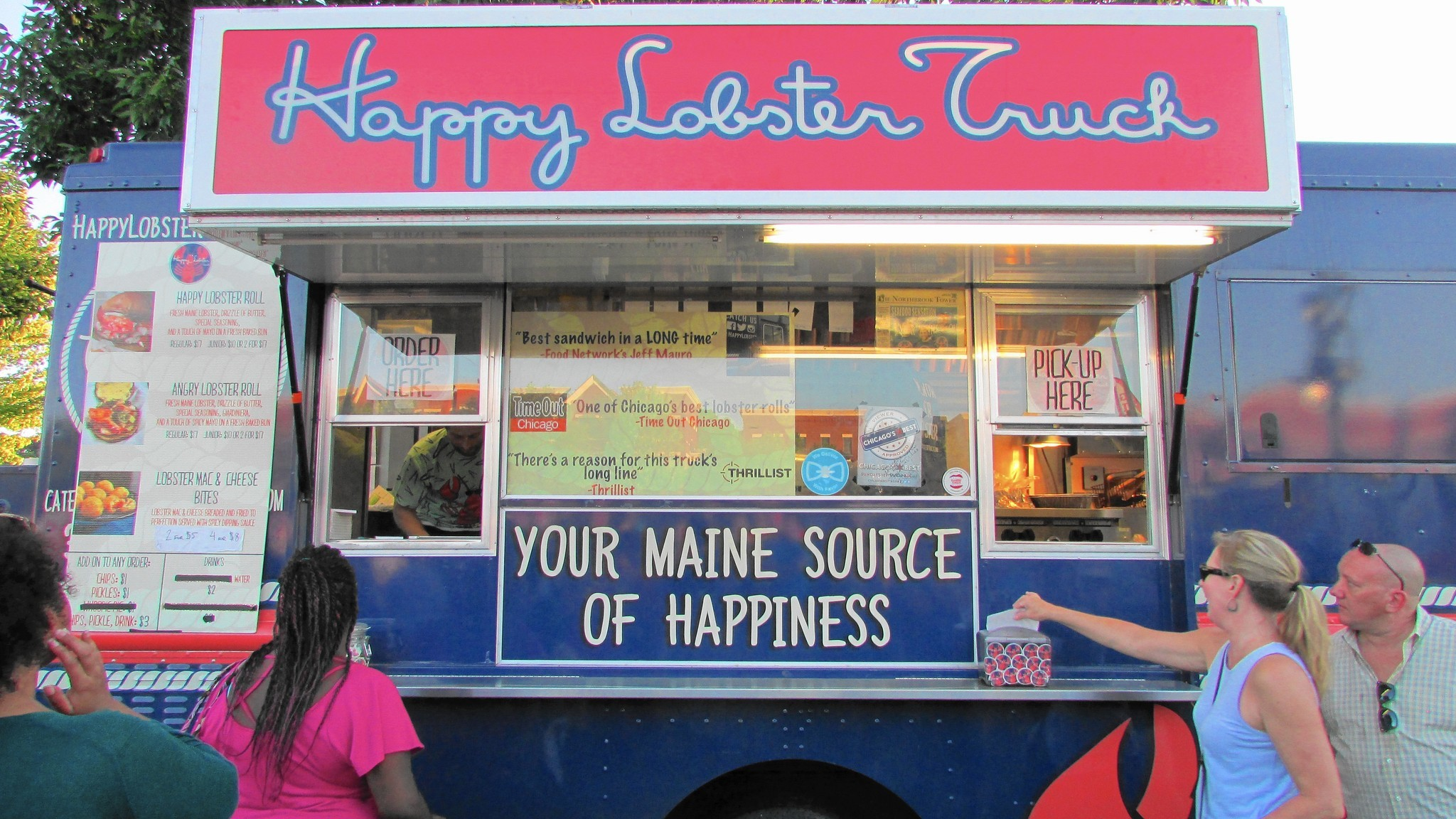 c81ad2260a06 Debut Food Truck Festival draws huge crowd to downtown Elgin - Elgin  Courier-News
