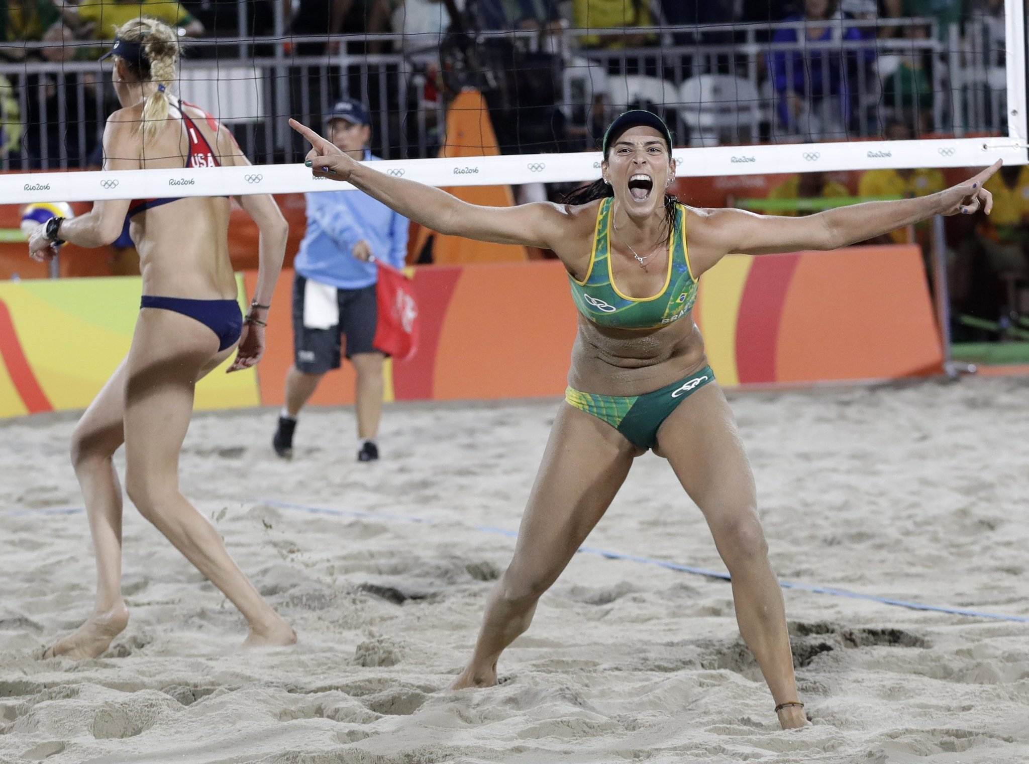 The Latest Us Beach Volleyball Team Ousted By Brazil San Go Union Tribune