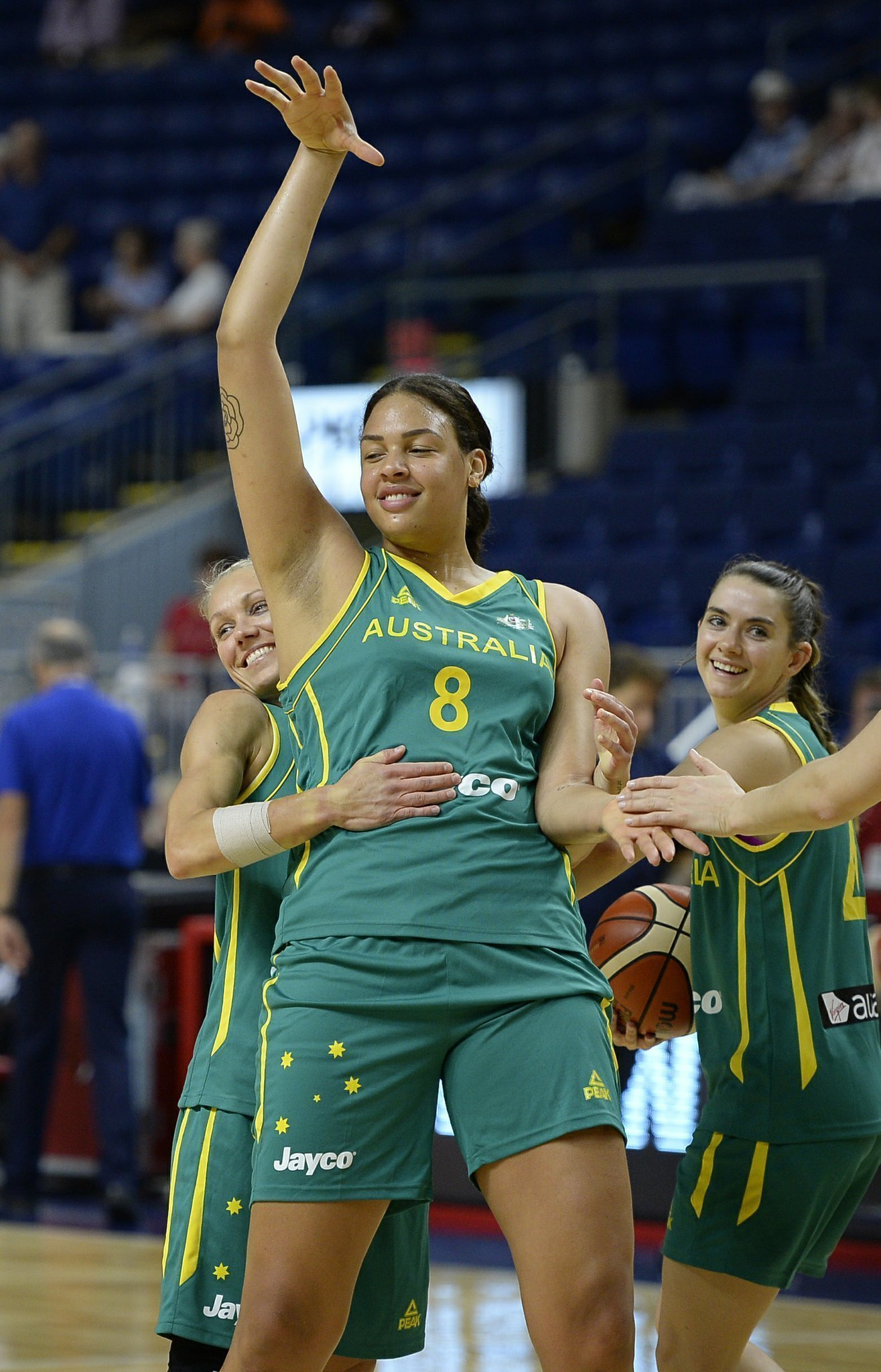 liz cambage ready to help australia hoops medal at olympics the