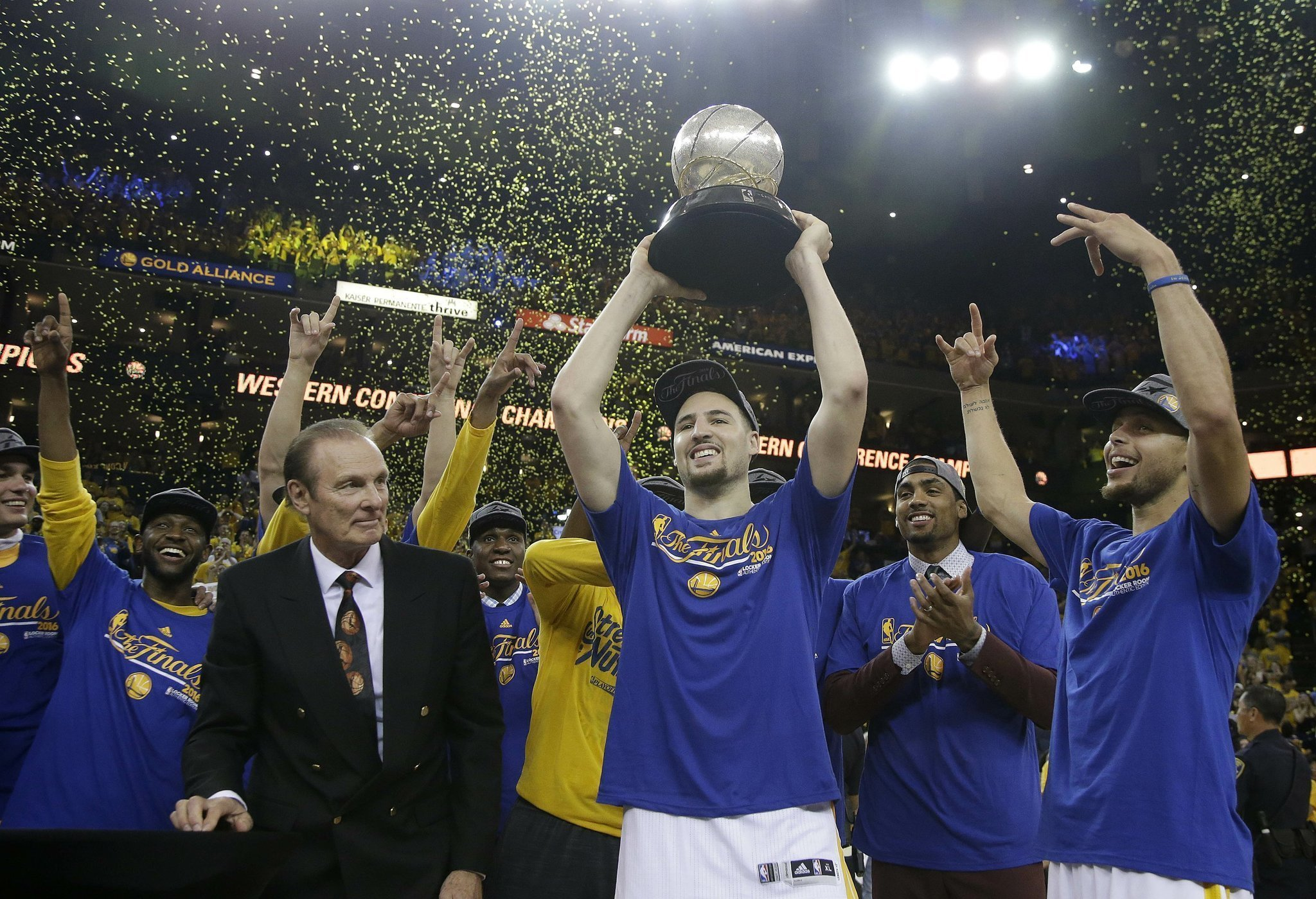 Warriors rally from 3-1 deficit after in-flight meeting - The San Diego  Union-Tribune 371cf6f5a