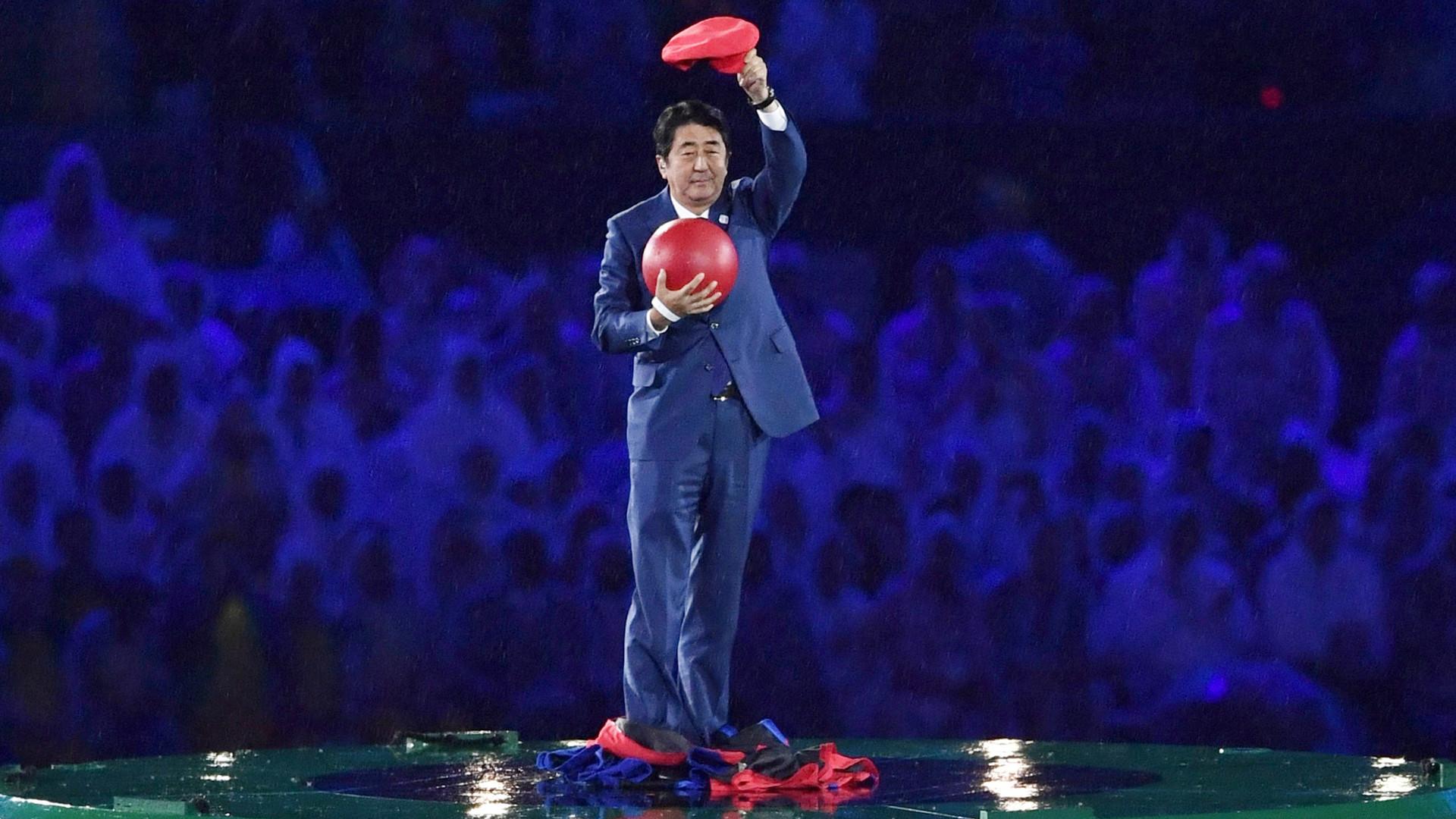 Japanese Prime Minister Shinzo Abe Wows Rio Finale As