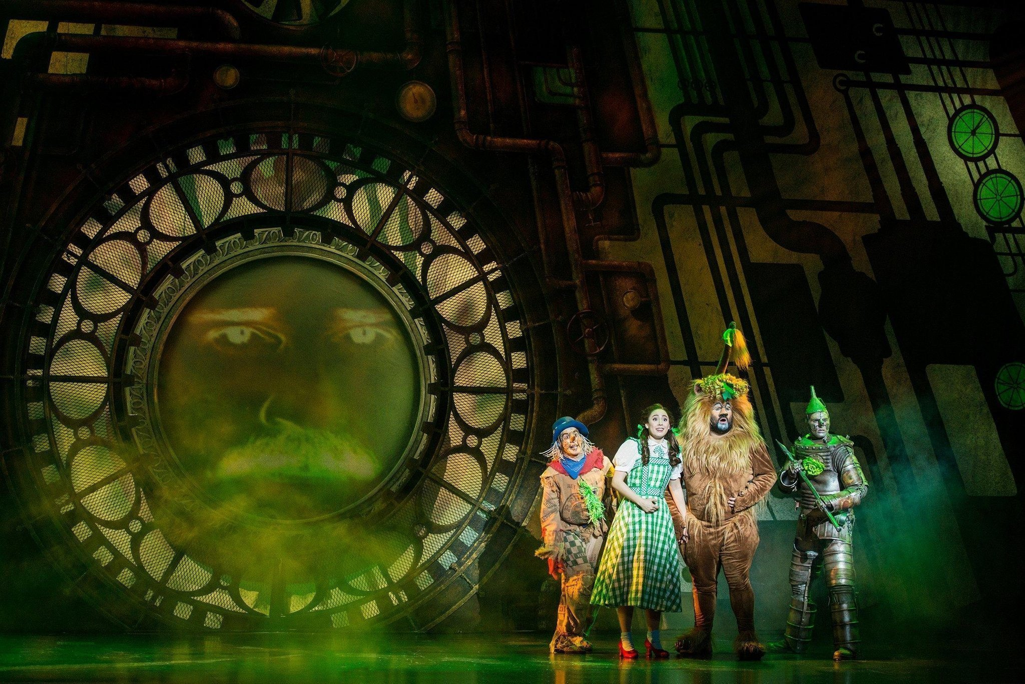Preview The Wizard Of Oz Hits The San Diego Civic Theatre On Tour