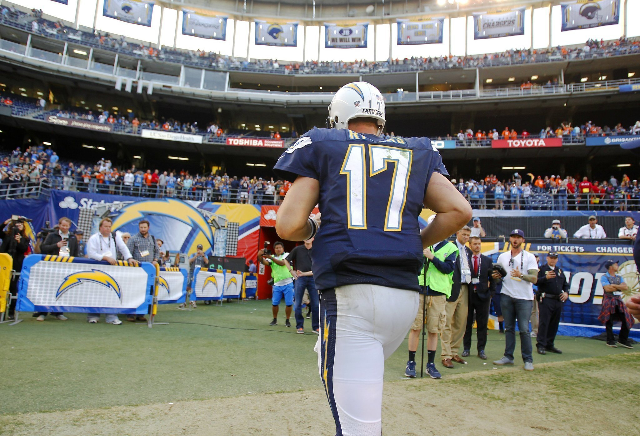 Philip Rivers Ill Chargers Sign Third Qb The San Diego